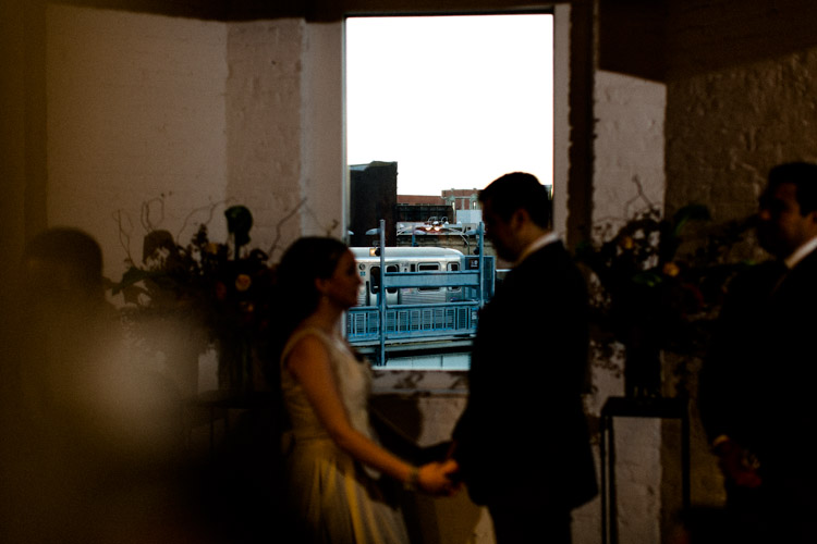 chicago_wedding_photography_at_gruen_gallery-042.jpg
