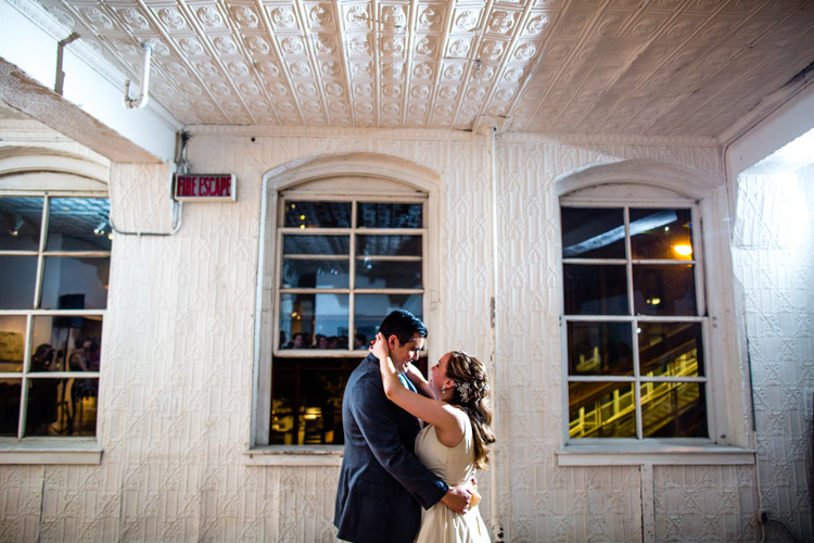 chicago_wedding_photography_at_gruen_gallery-116.jpg