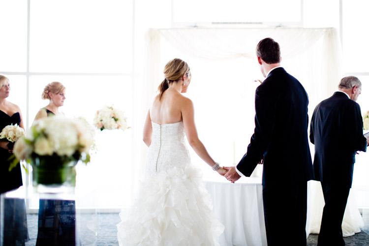 pier_wisconsin_wedding_john_megan-035.jpg