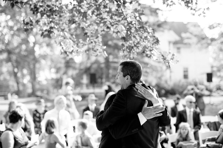 backyard_wedding_wisconsin_wedding_photography_matt_haas_photography-020.jpg