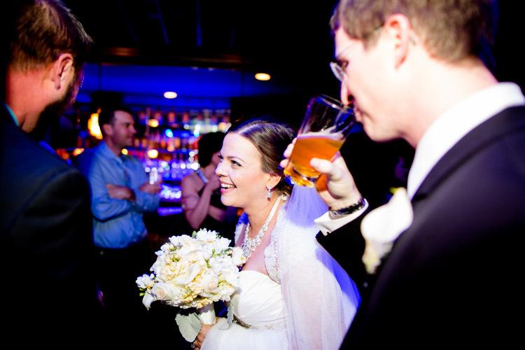 milwaukee-wedding-photographers-astor-hotel-nl-0101.jpg