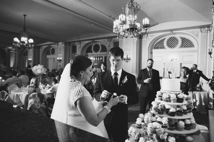 milwaukee-wedding-photographers-astor-hotel-nl-0115.jpg