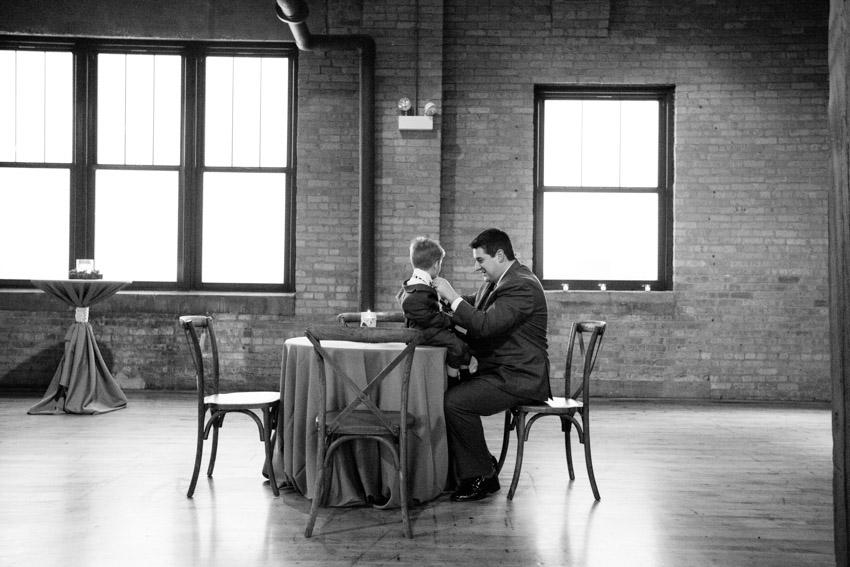 chicago-wedding-photography-skyline-loft-0065.jpg