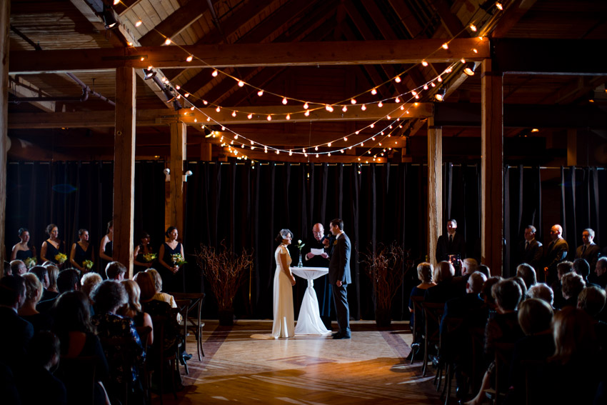 chicago-wedding-photography-skyline-loft-0079.jpg