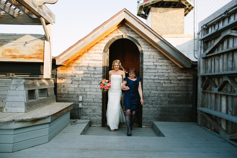 eg_chicago-wedding-photography-lacuna-artist-lofts-020.jpg