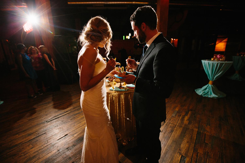 eg_chicago-wedding-photography-lacuna-artist-lofts-039.jpg