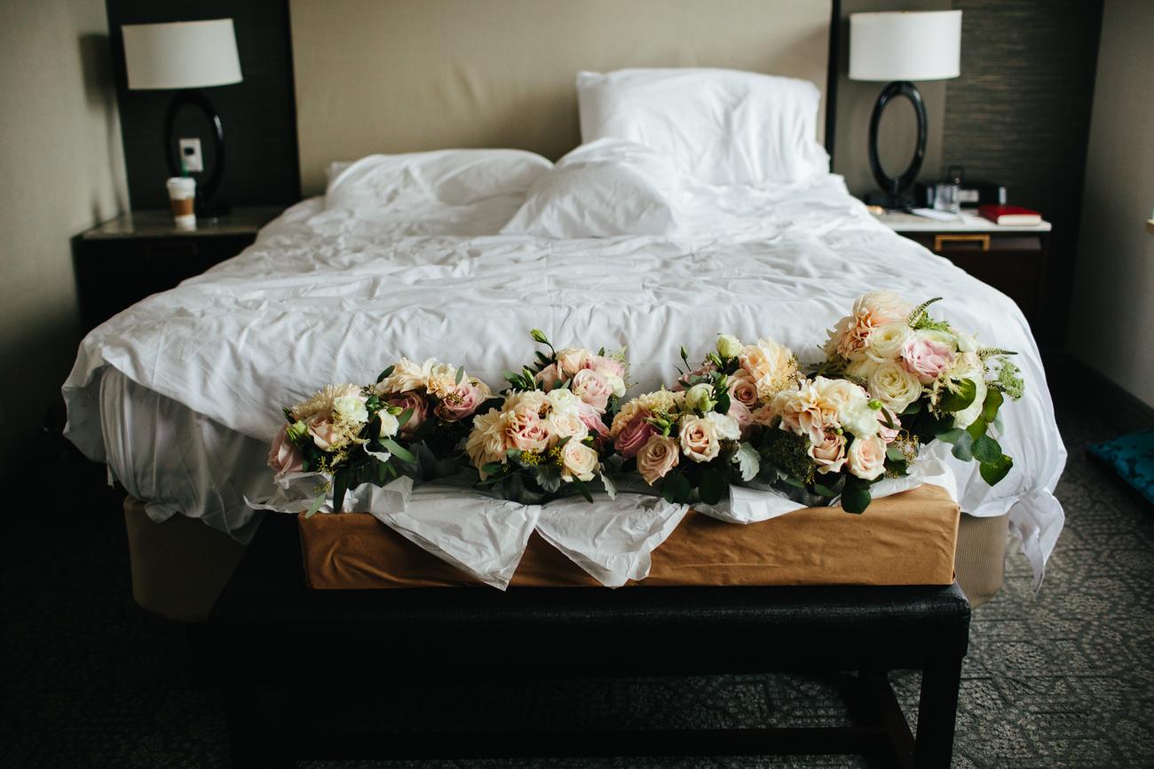 ali-tim-ravenwoods-event-center-wedding-chicago-5.jpg