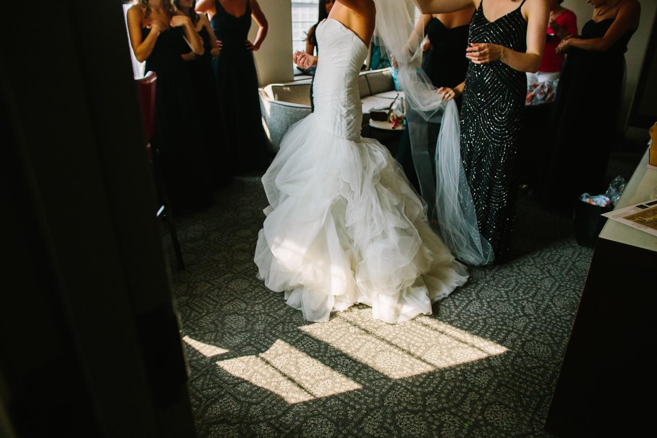 ali-tim-ravenwoods-event-center-wedding-chicago-16.jpg