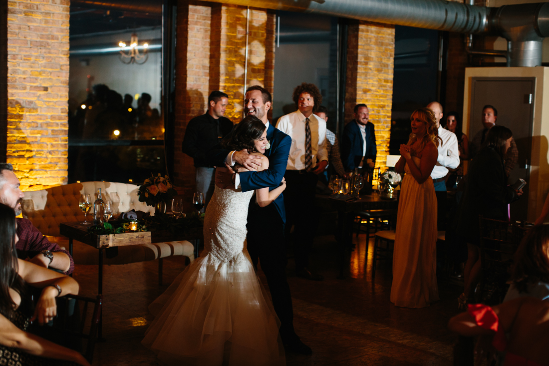 unique-chicago-wedding-photography-city-view-loft-6375.jpg