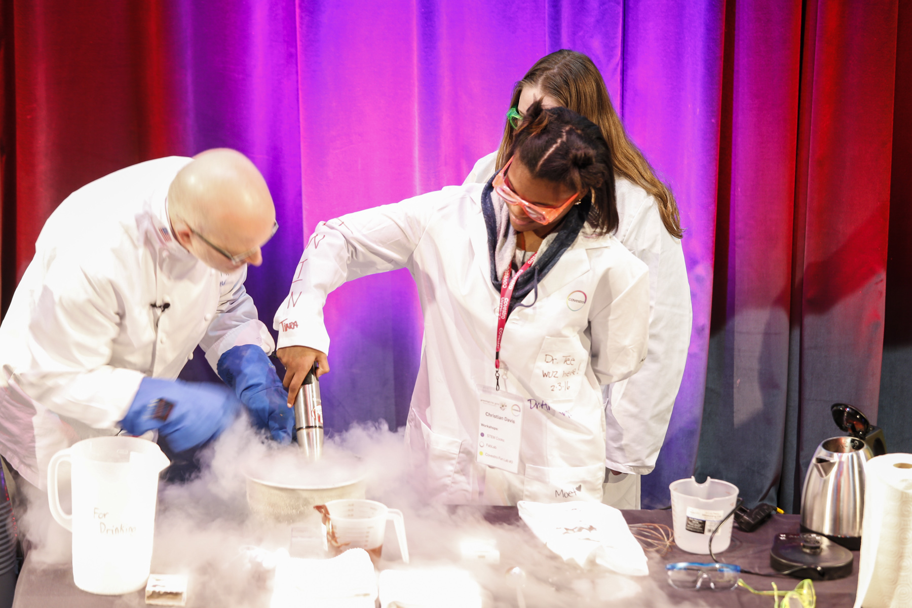 g4g Day @Pittsburgh Feb. 2016    In February 2016, we hosted one incredible launch inspiring 125 girls with the dedicated Pittsburgh team, one famous chef-scientist, Covestro President Jerry F. MacCleary, The County Councilman and the Mayor of Pittsburgh making it all official!  Click here for the full album!