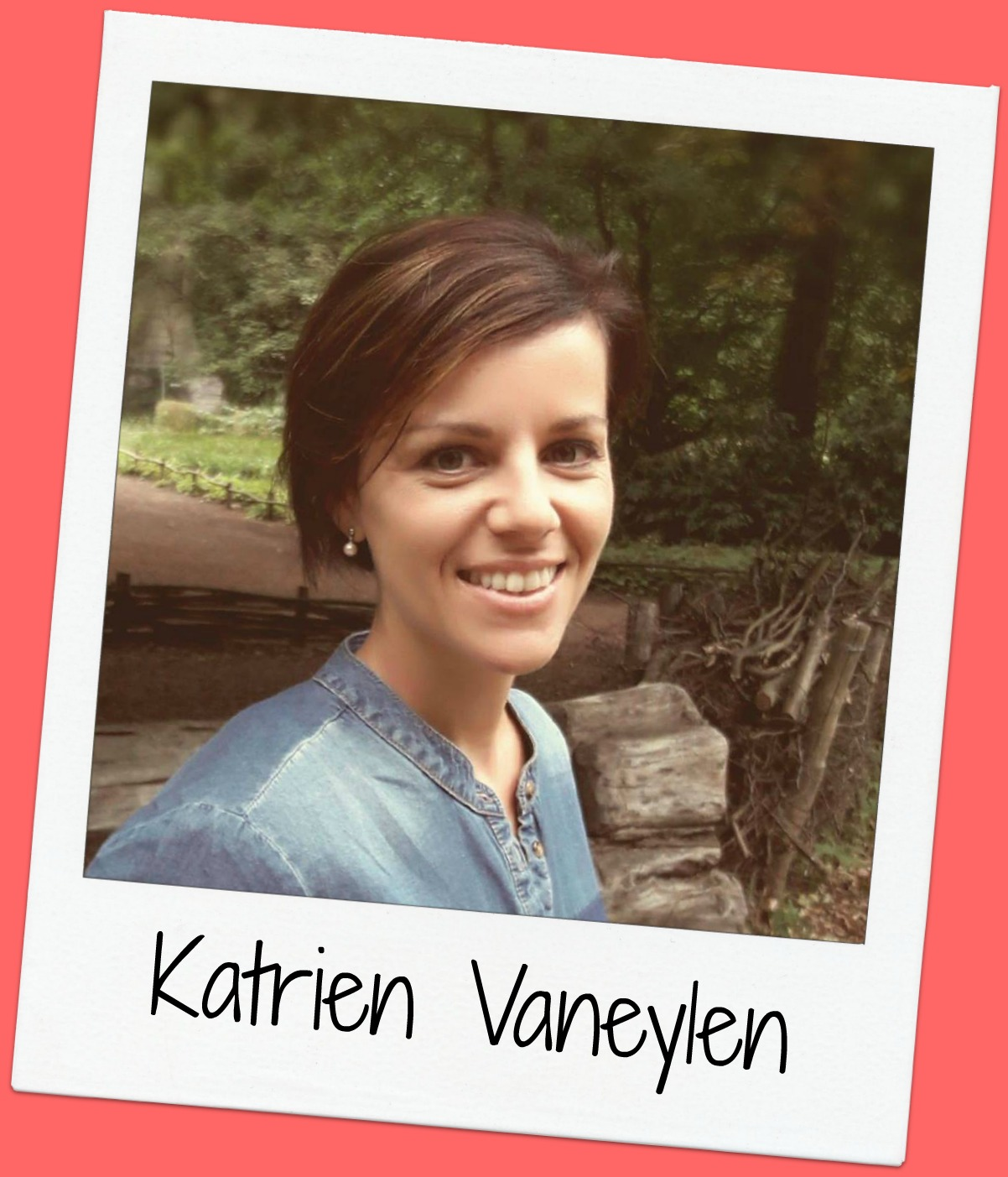 Katrien has a Master  in TEW (Applied Economics Science) and has been working at SBD as an HR Manager for 4 years. She has 2 young children.