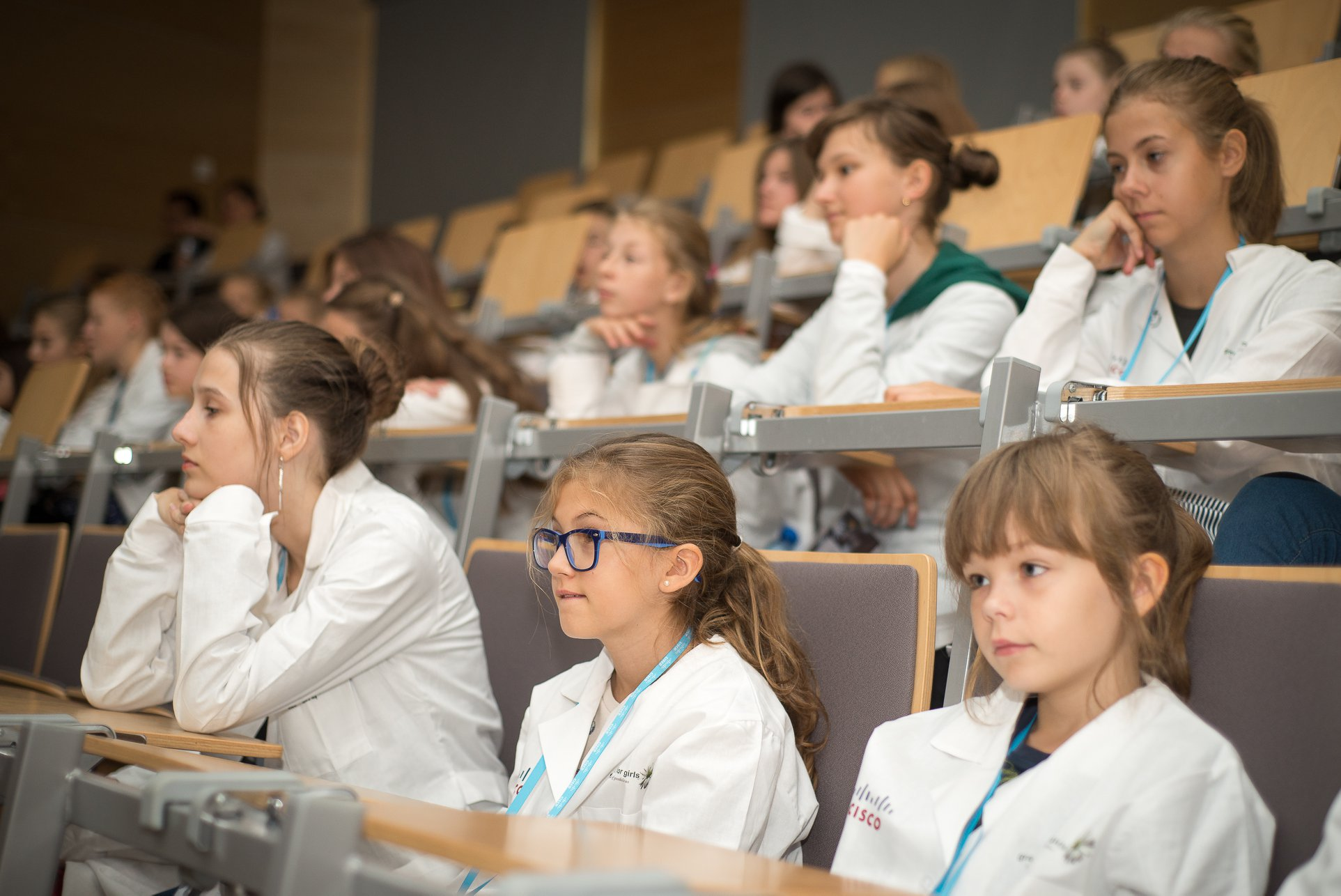 g4g Day @Krakow - Sept. 2018    On Sept. 22 2018, we were thrilled to be back to Cisco in Krakow, Poland, for the 4th g4g Day @Krakow! Thanks to the amazing partners and sponsors, it's 16 workshops that the 165 girls could experience through the day! Full photos album to come very soon!