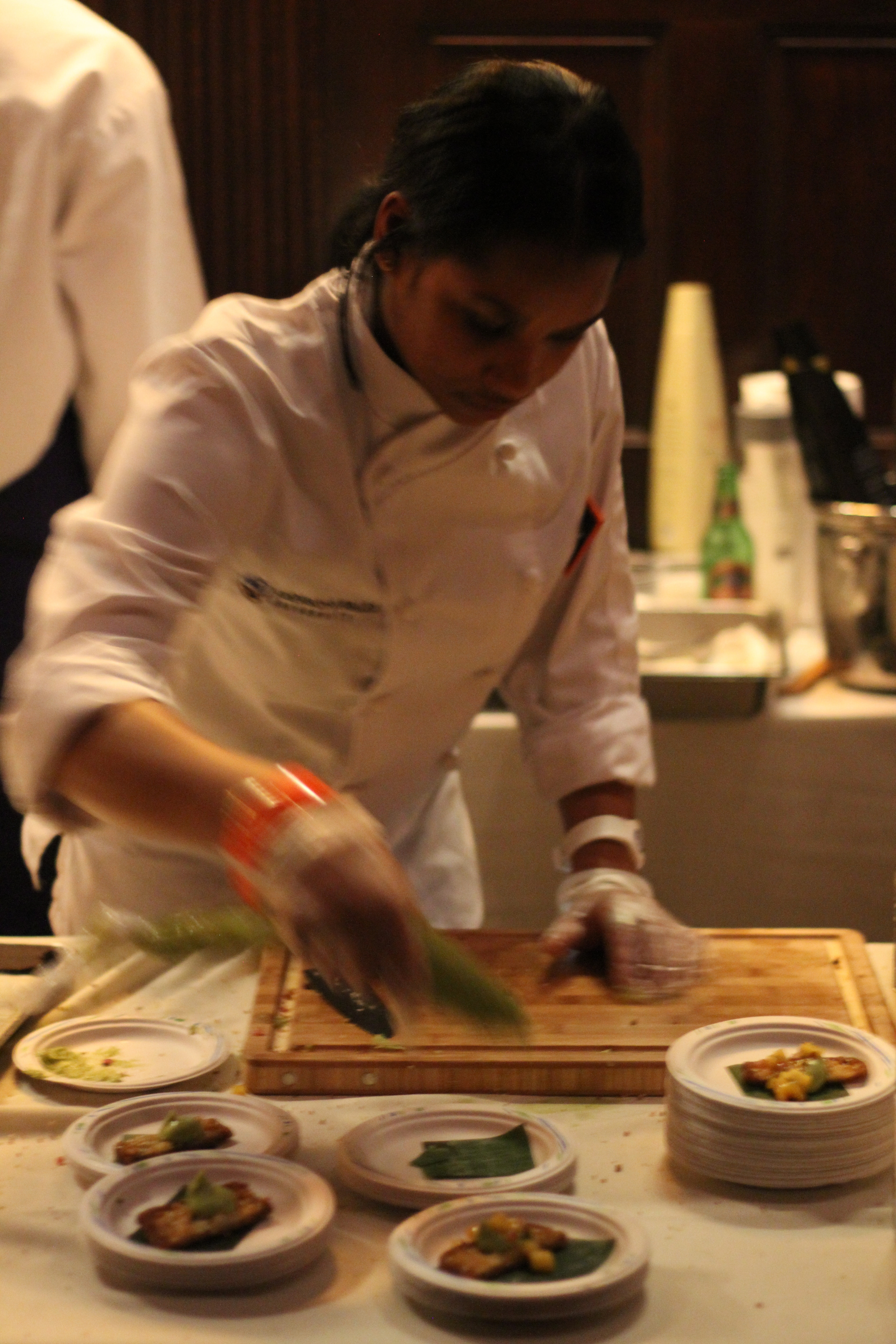 Plating food non-stop!