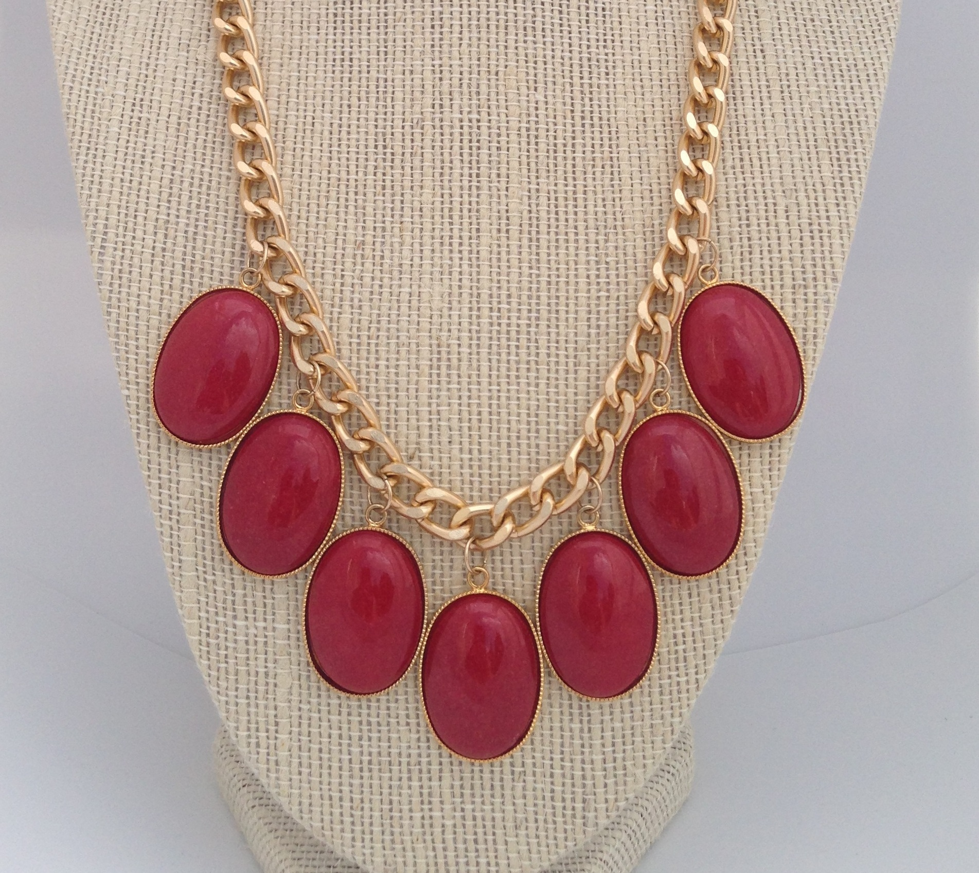 Red necklace 2.jpg