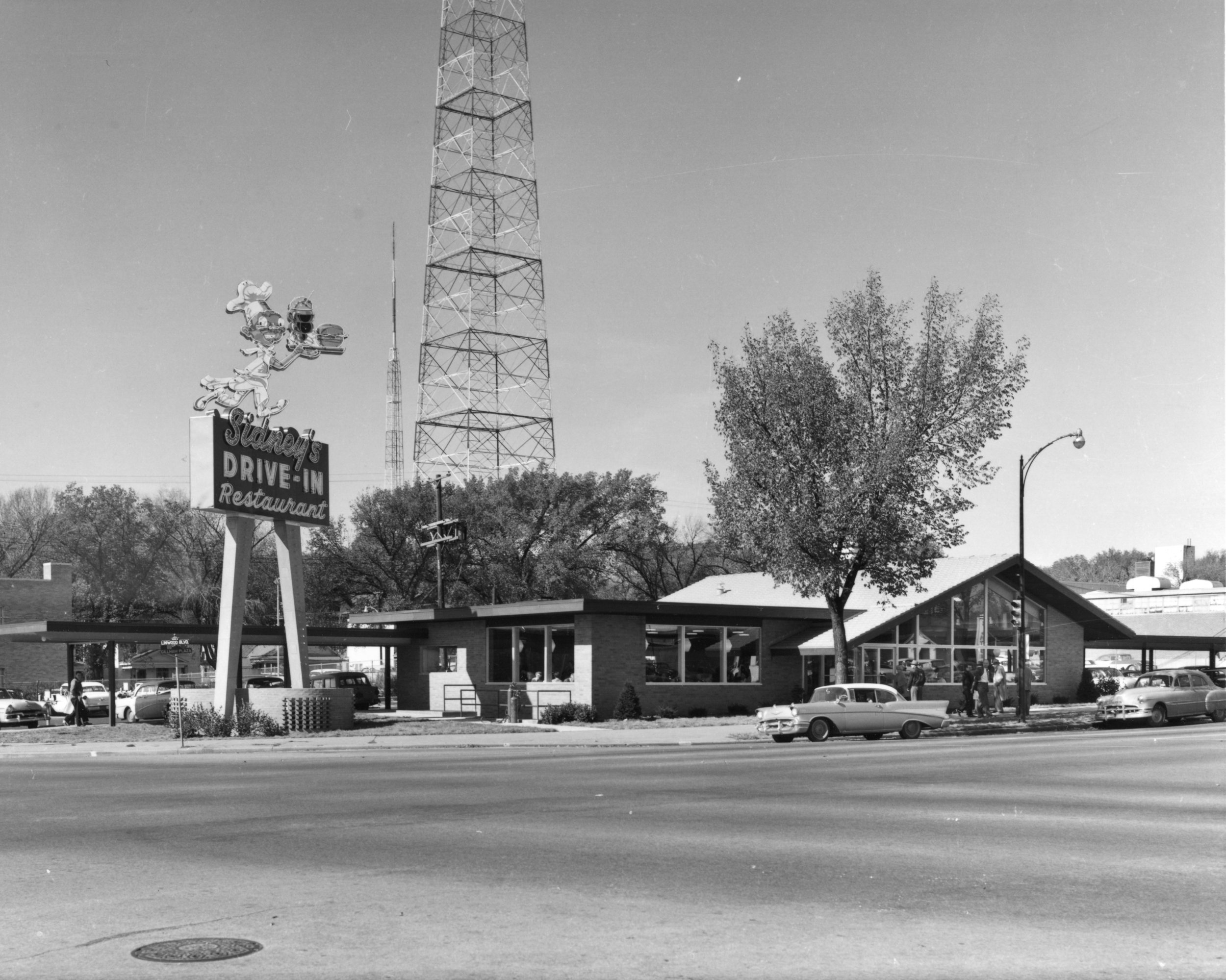 Wilborn Collection 1957 view Sidney's Drive - In Linwood Blvd and Gillham 57-142-641-1.jpg
