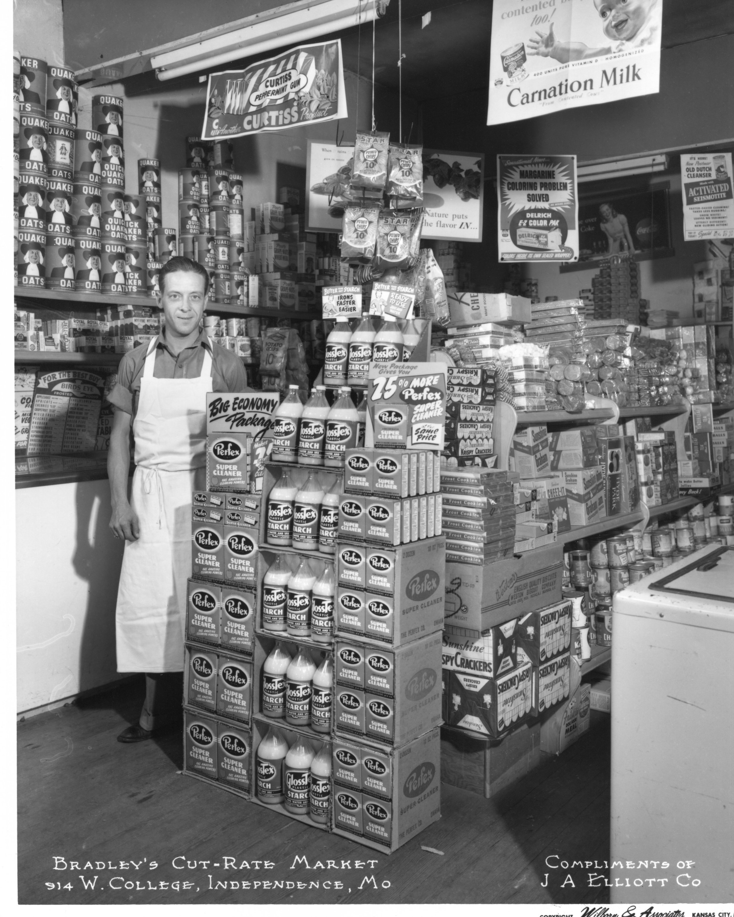 Wilborn Collection Bradley's Cut-Rate Market 914 W. College Indep MO Compliments J. A. Elliott Co. C. Oct 1947 No. 17969.jpg
