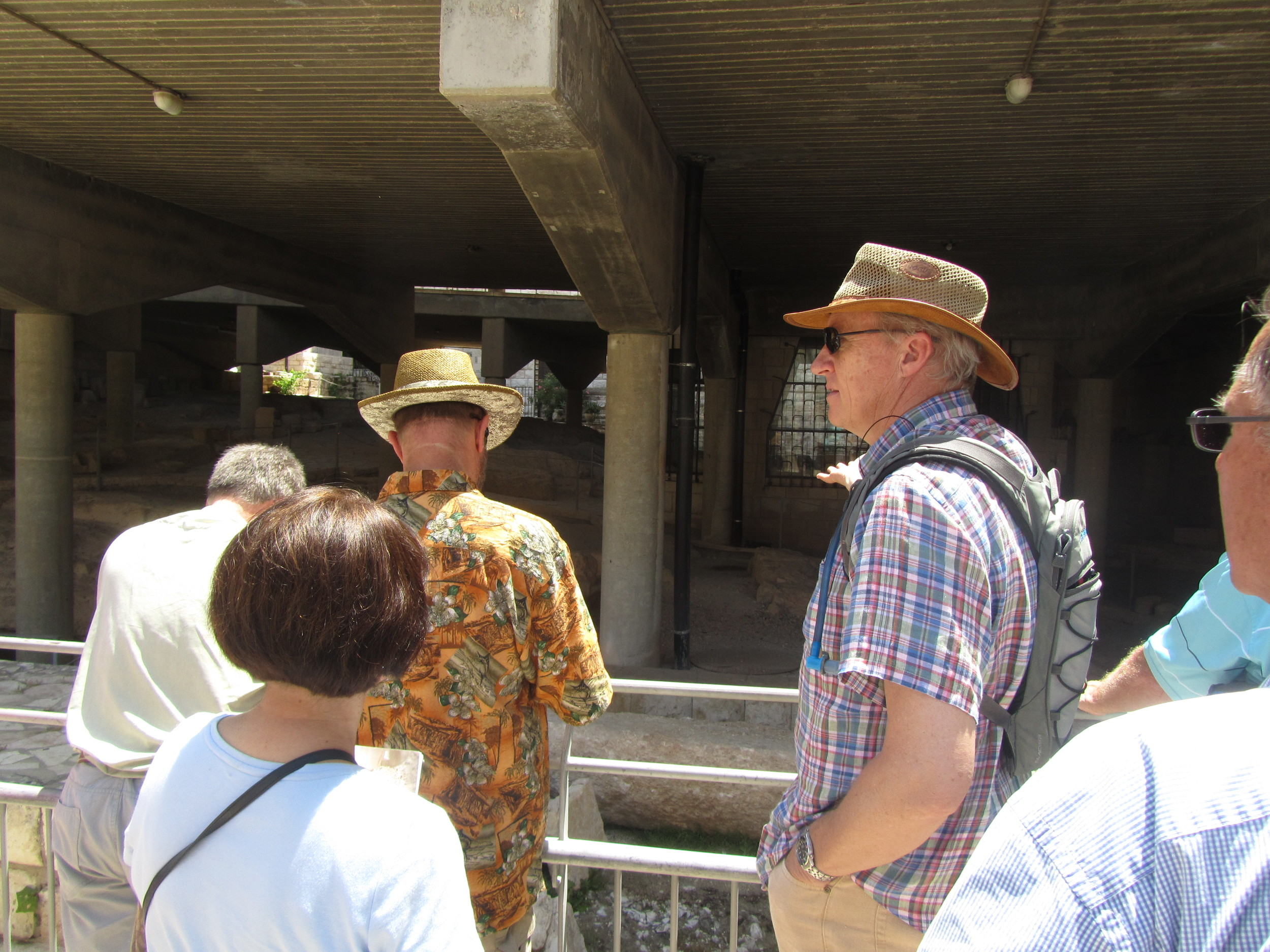 Mike Breen pointing out thearchaeologicalremains of Jesus' boyhood home preserved underneath the Church of the Annunciation