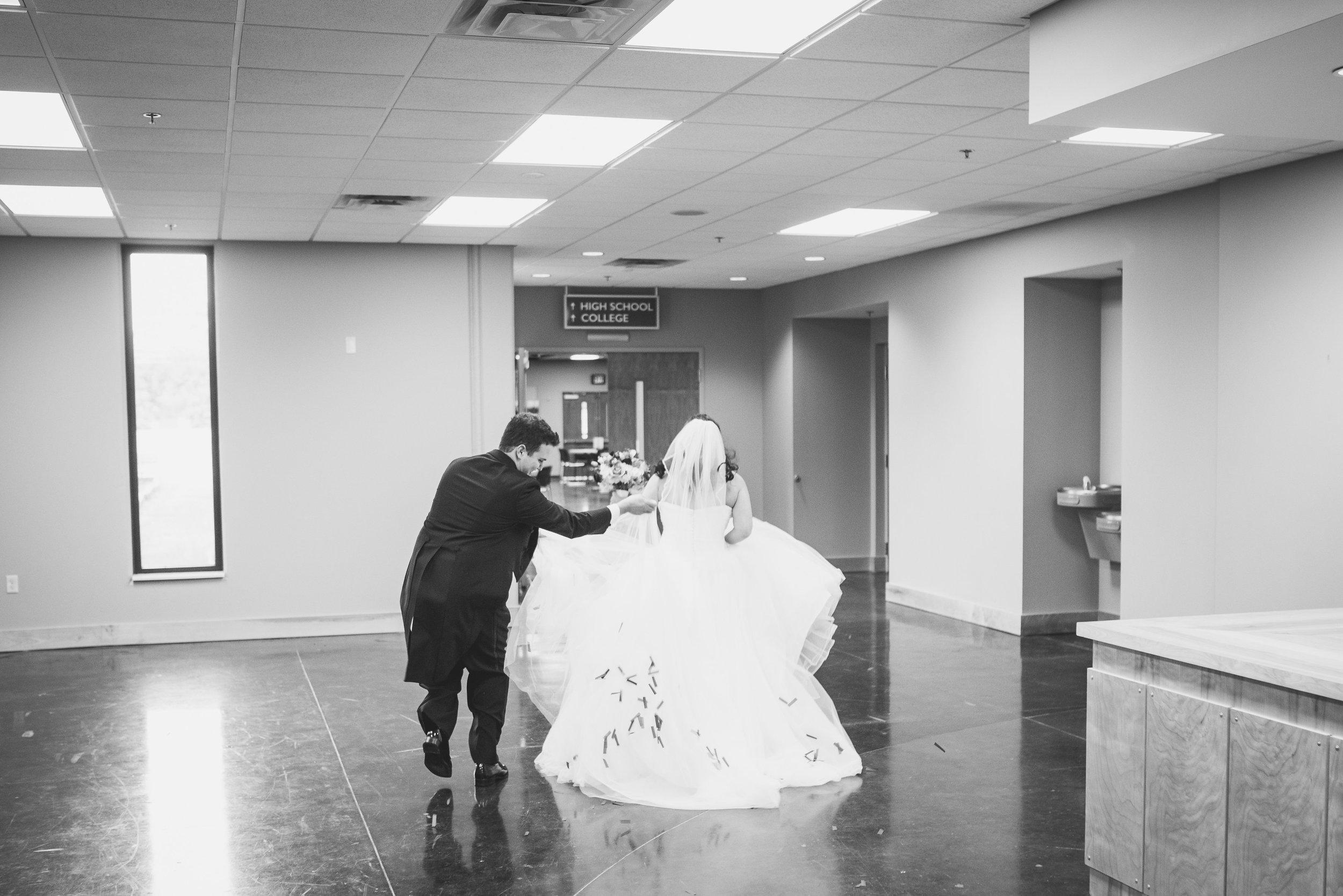 Nashville Wedding Photographers Opera House-415.jpg