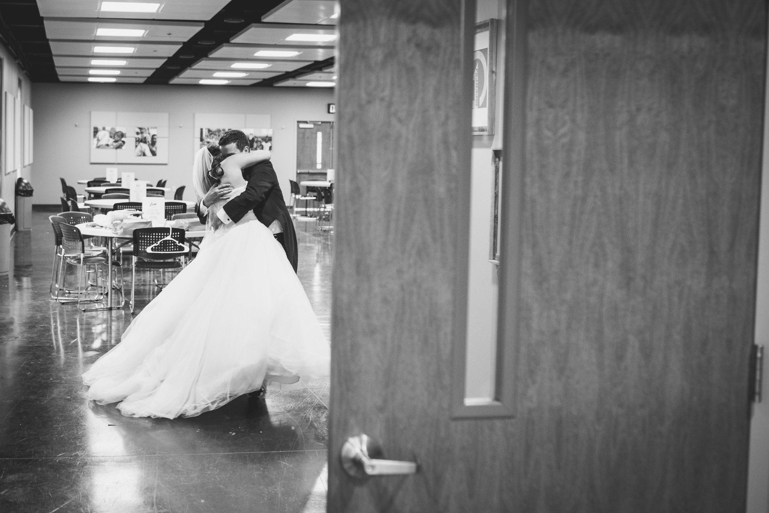 Nashville Wedding Photographers Opera House-418.jpg
