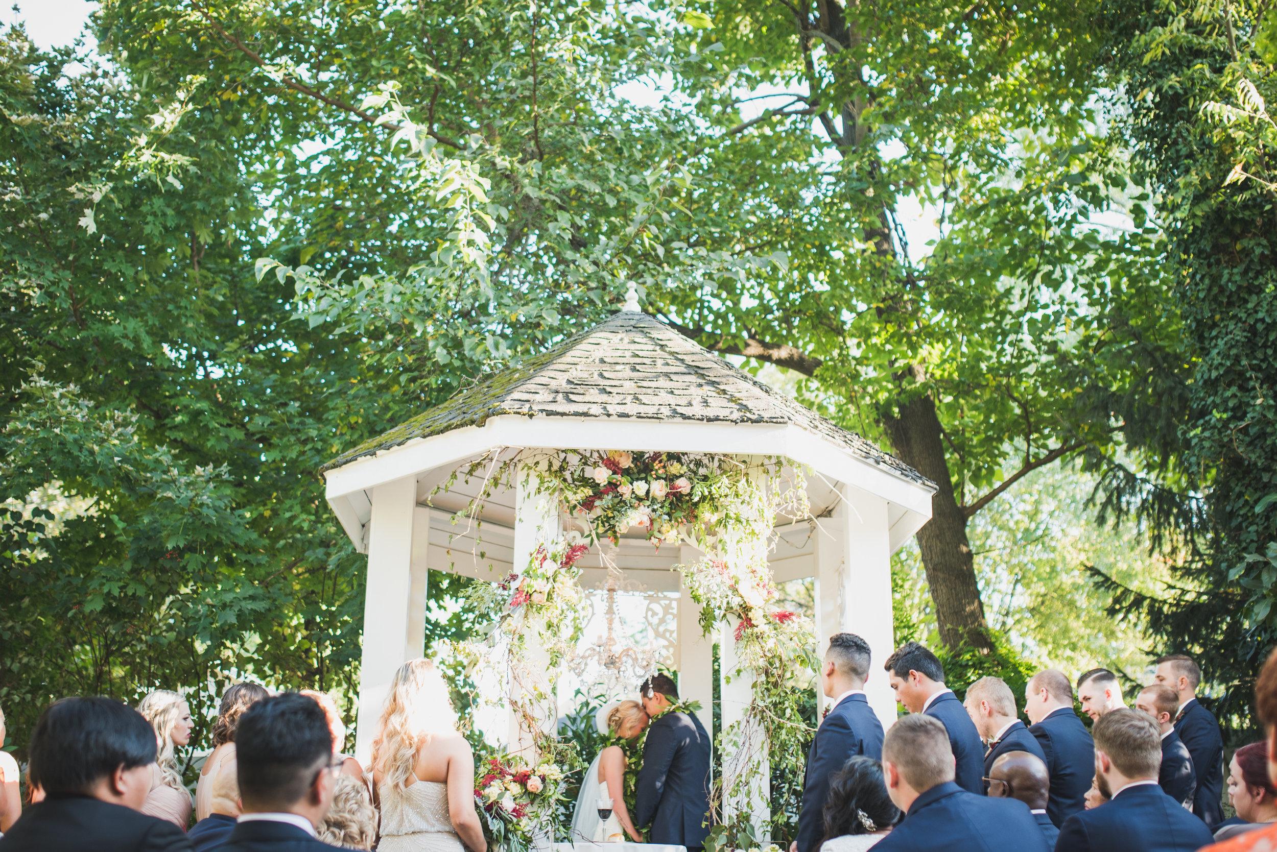 Nashville-wedding-photographers-CJ's-Off-The-Square-33.JPG