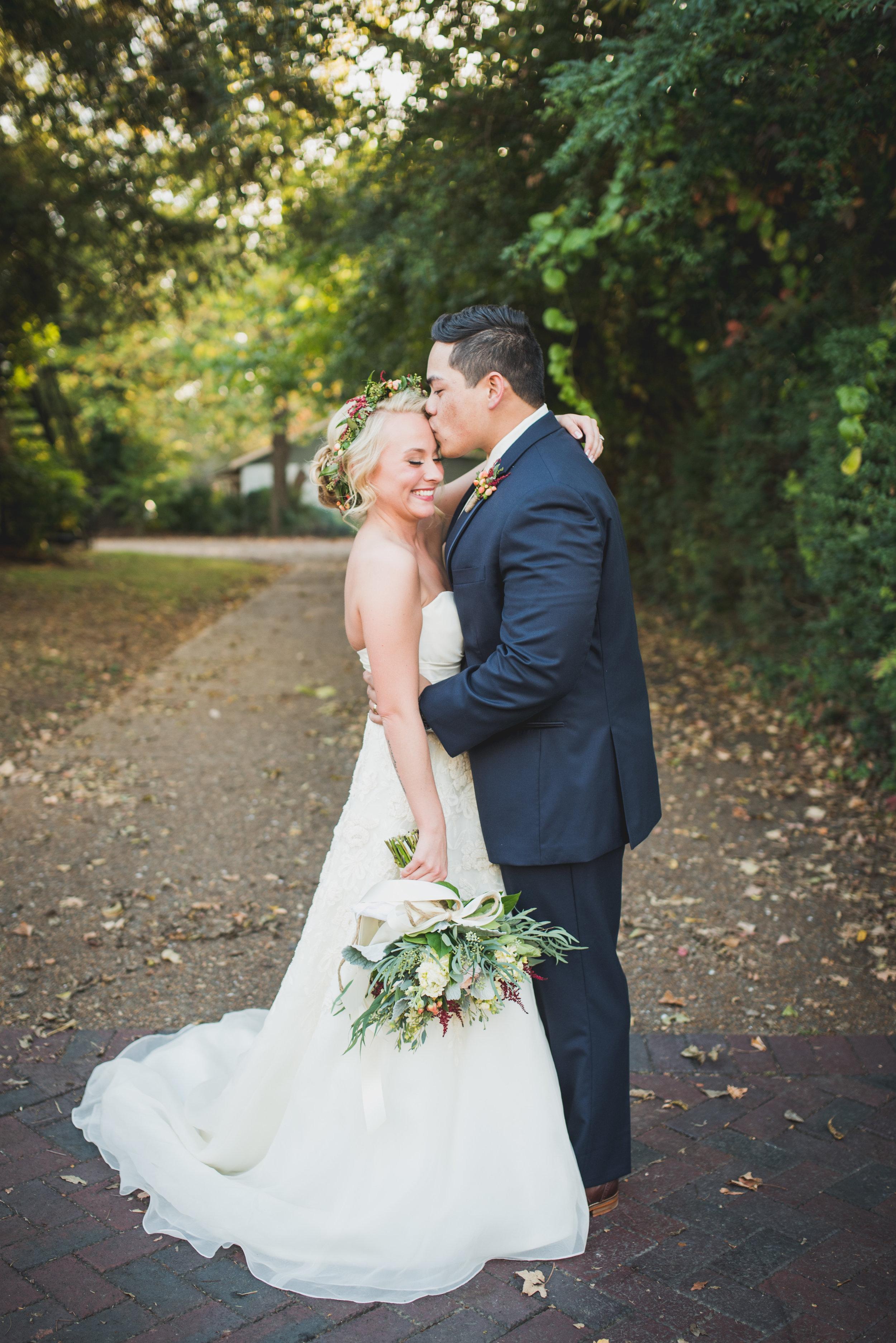 Nashville-wedding-photographers-CJ's-Off-The-Square-39.JPG