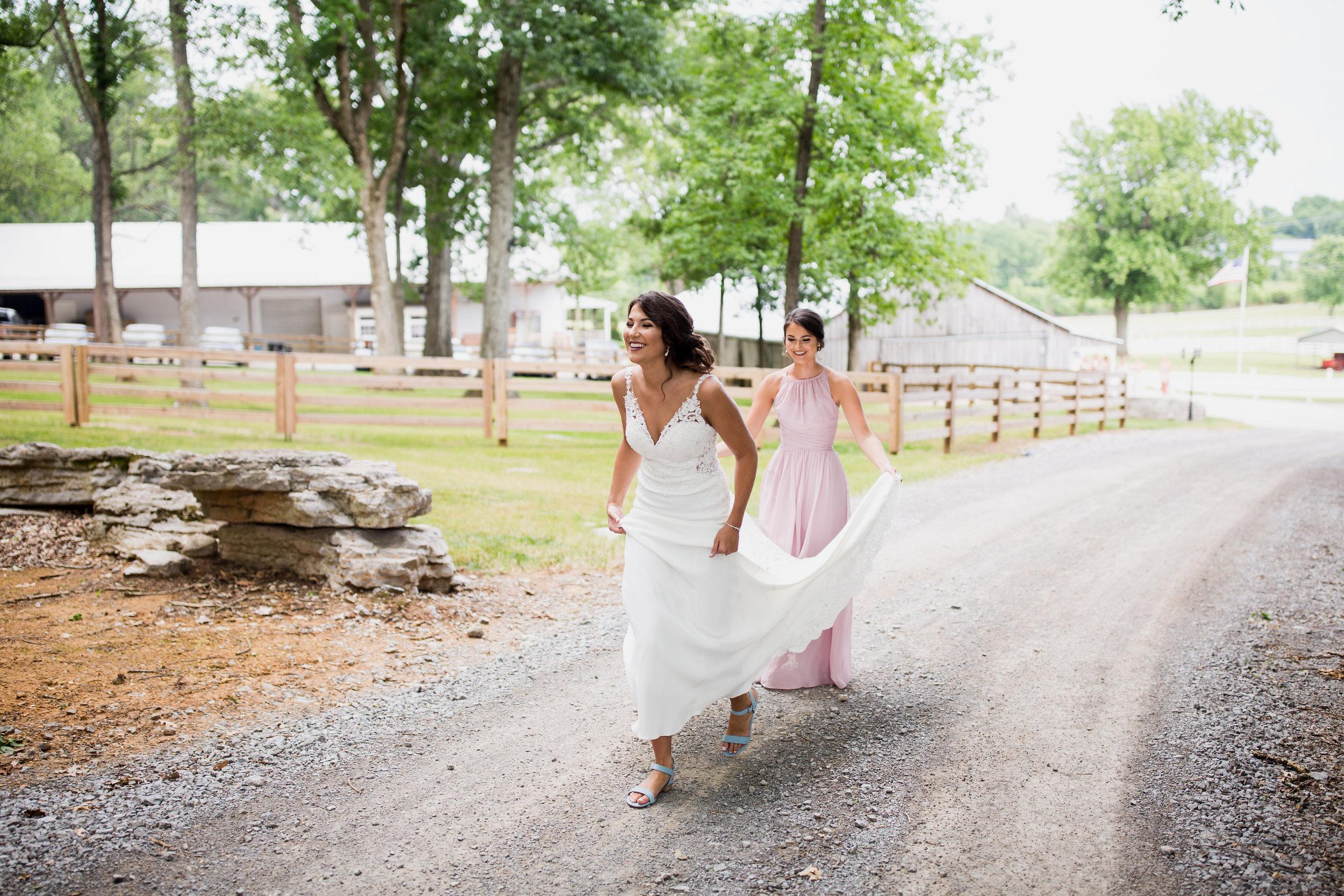 Saddlewood-Farms-Nashville-Wedding-Photographers-90.jpg
