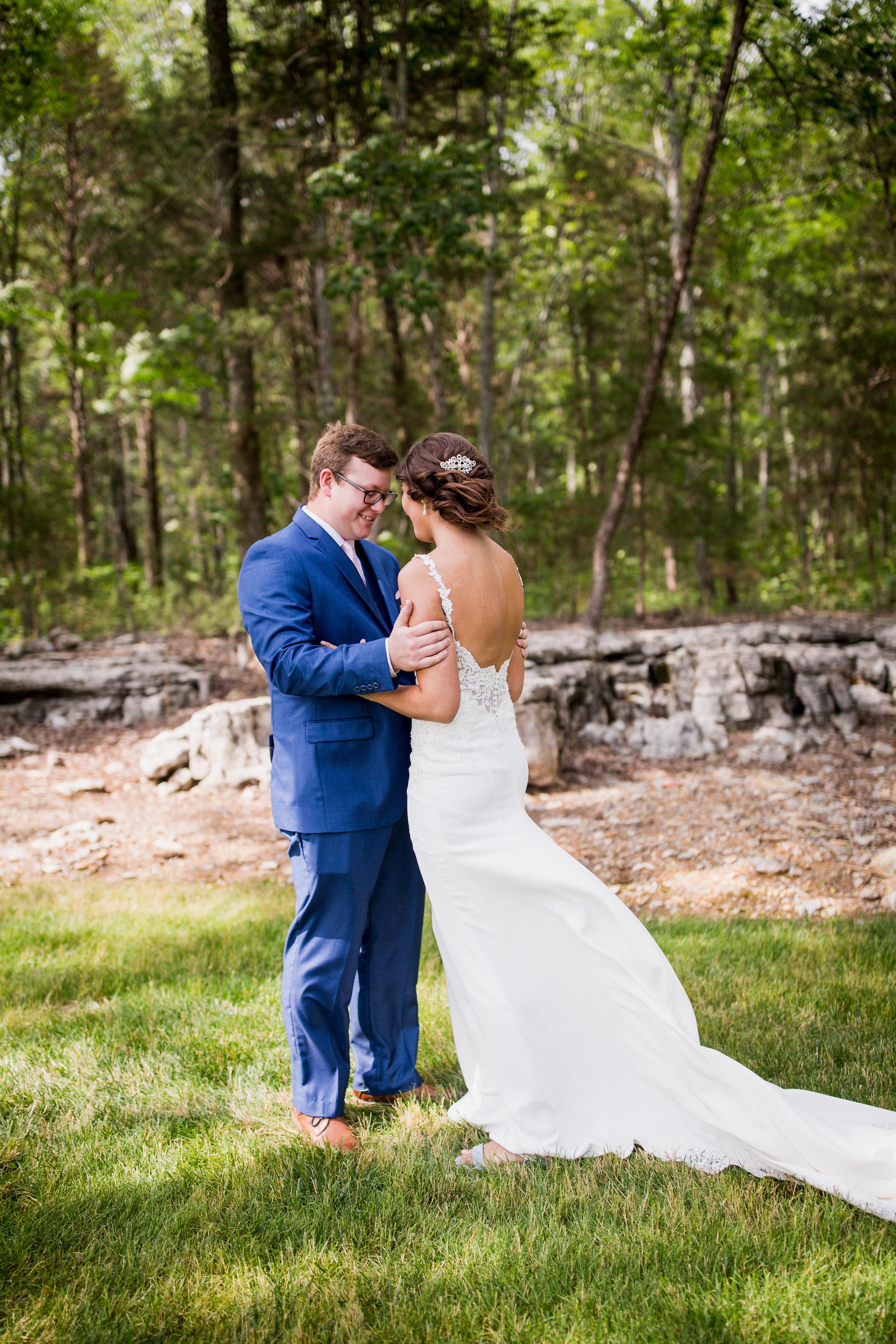 Saddlewood-Farms-Nashville-Wedding-Photographers-97.jpg