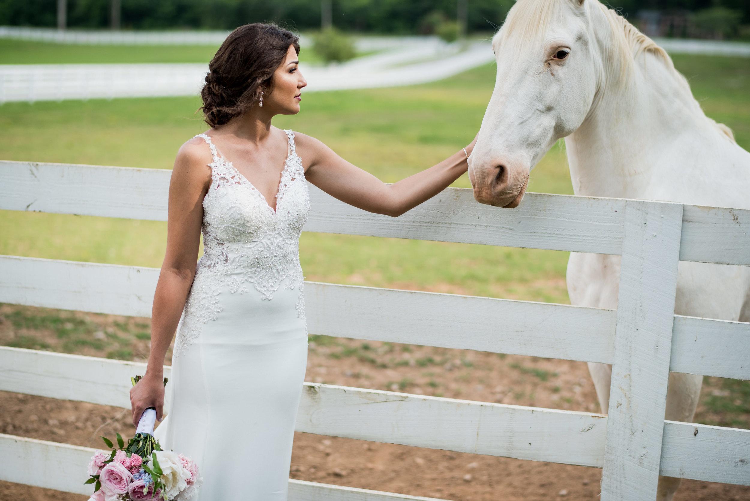 Saddlewood-Farms-Nashville-Wedding-Photographers-314.jpg