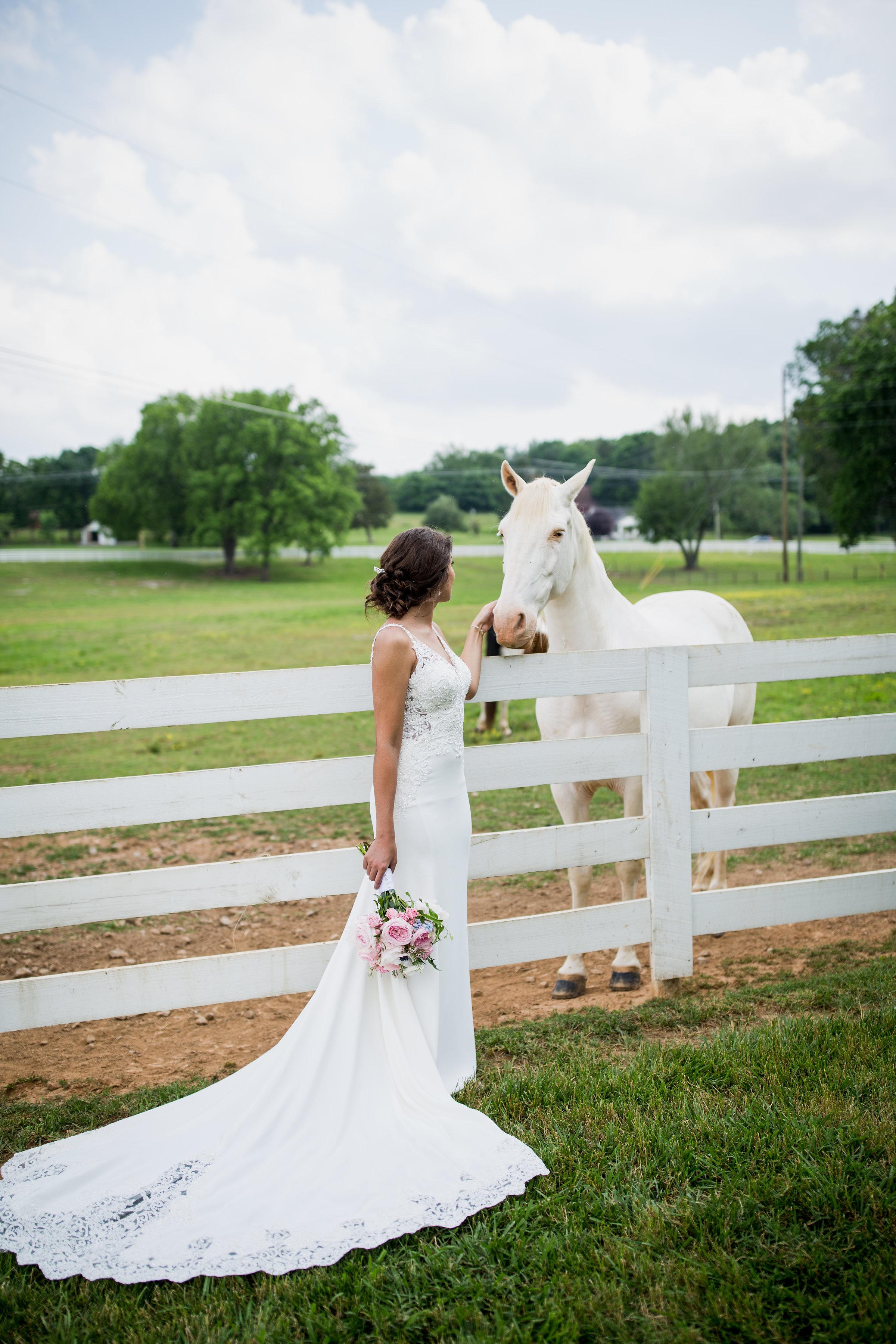 Saddlewood-Farms-Nashville-Wedding-Photographers-310.jpg