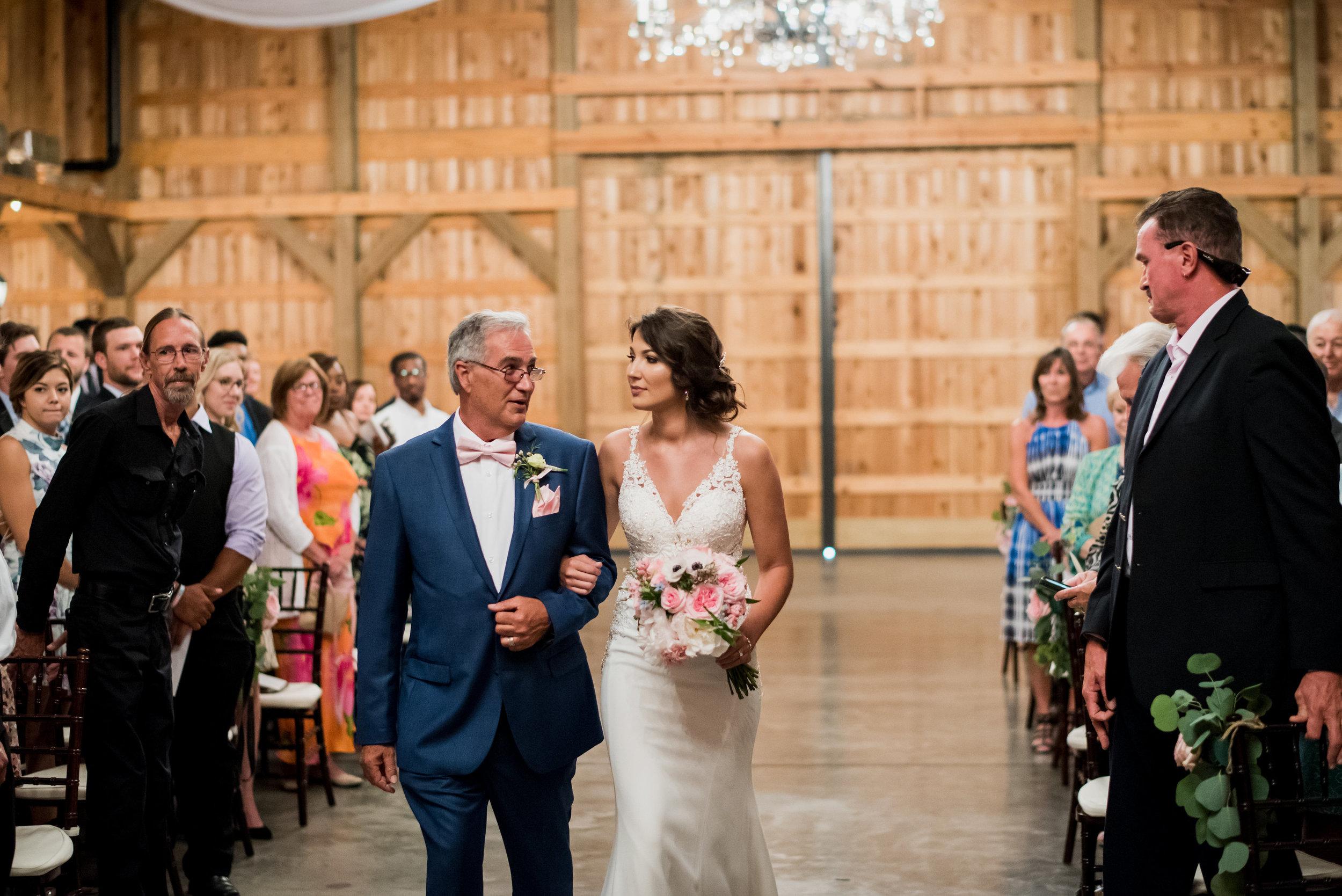 Saddlewood-Farms-Nashville-Wedding-Photographers-399.jpg