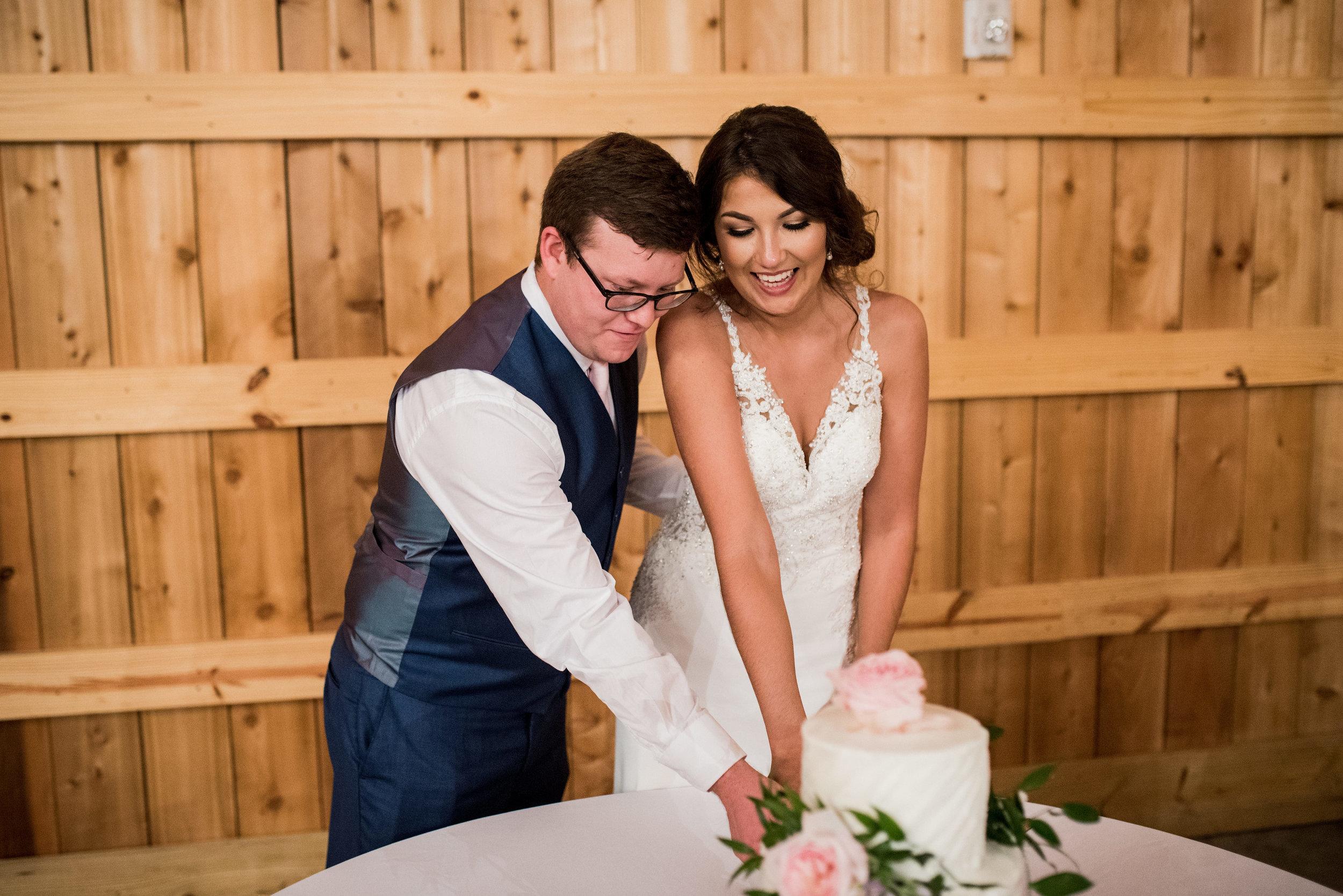 Saddlewood-Farms-Nashville-Wedding-Photographers-662.jpg