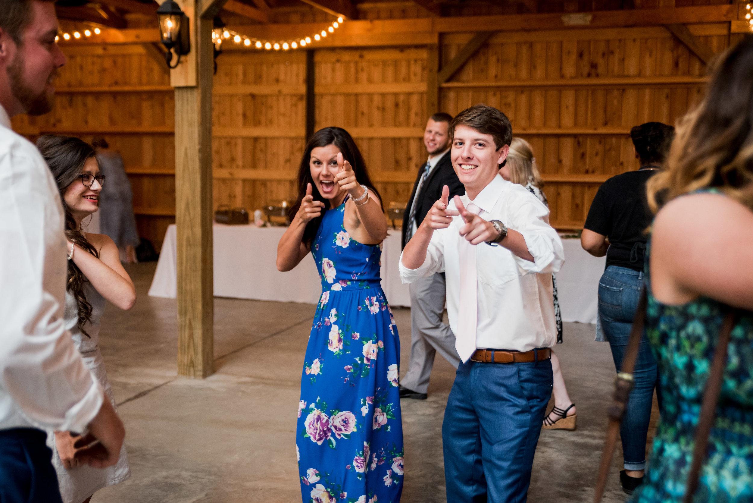 Saddlewood-Farms-Nashville-Wedding-Photographers-691.jpg