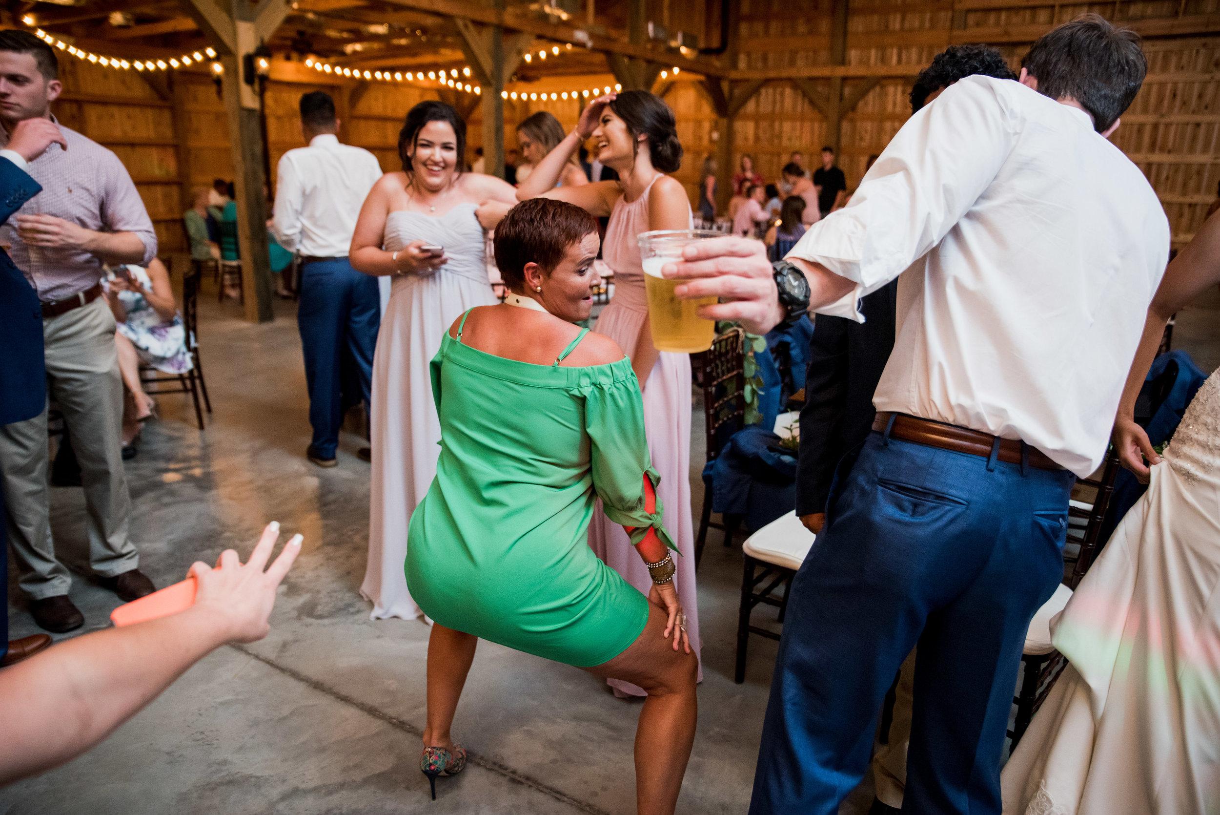 Saddlewood-Farms-Nashville-Wedding-Photographers-707.jpg