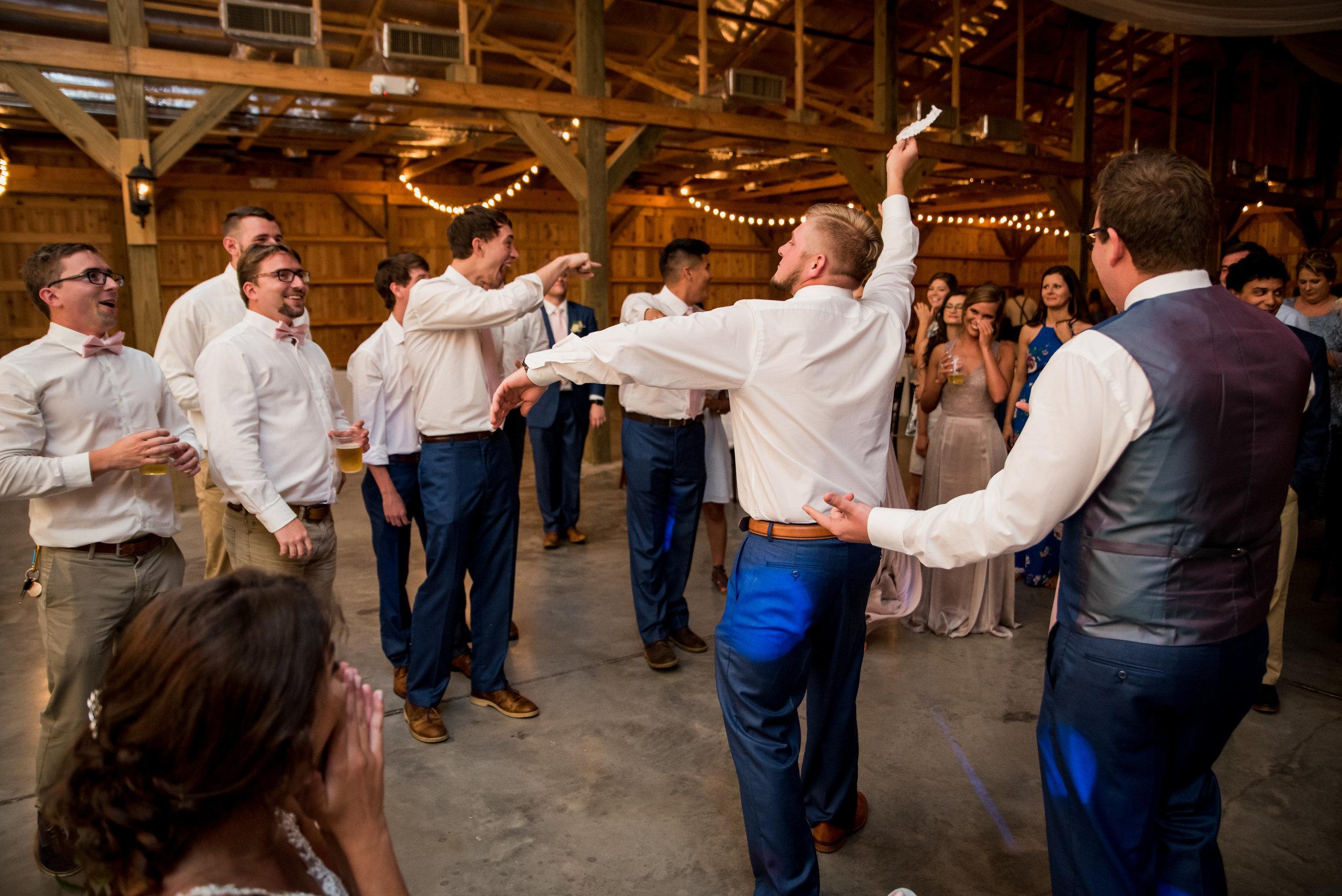 Saddlewood-Farms-Nashville-Wedding-Photographers-752.jpg