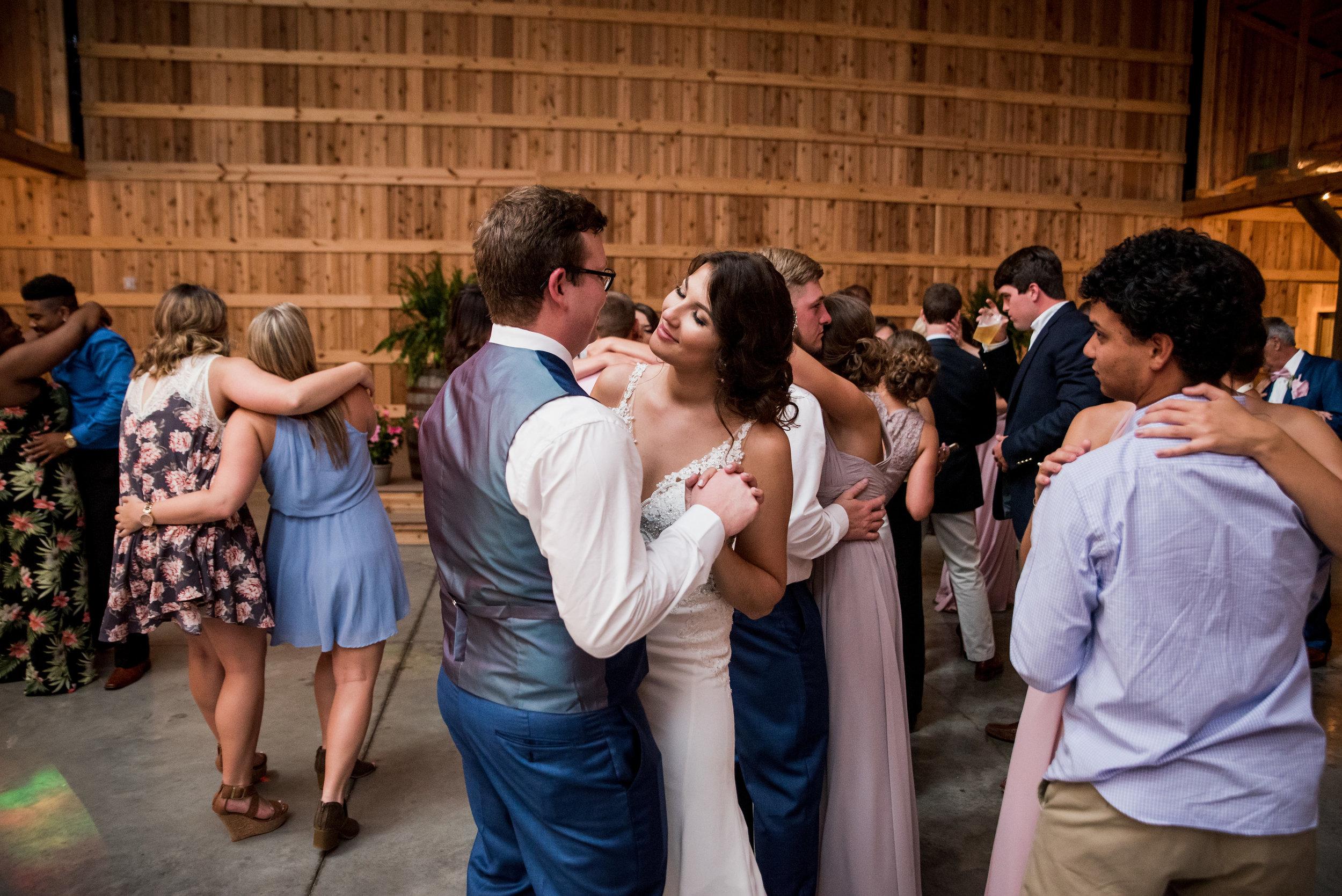 Saddlewood-Farms-Nashville-Wedding-Photographers-862.jpg