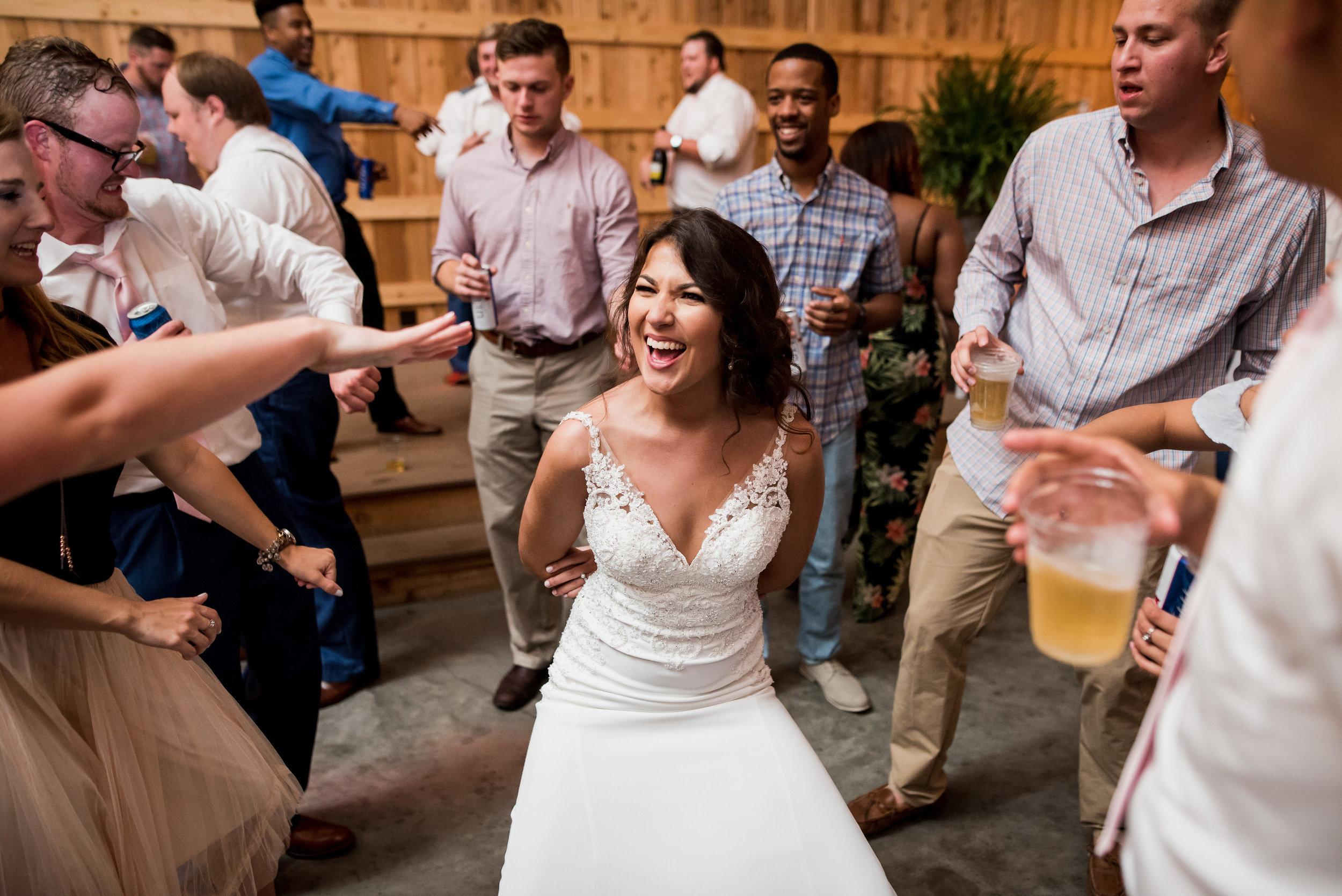 Saddlewood-Farms-Nashville-Wedding-Photographers-891.jpg