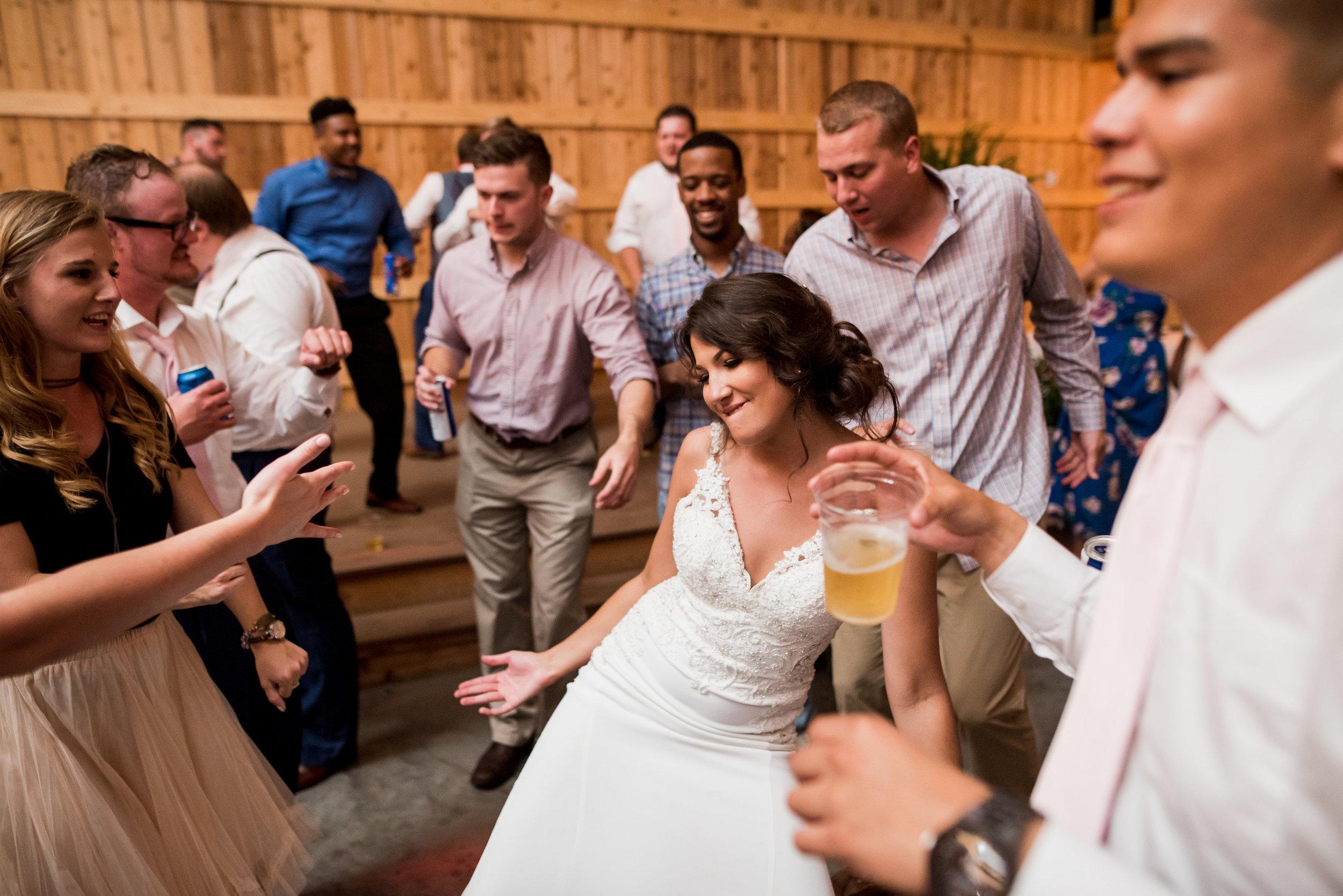 Saddlewood-Farms-Nashville-Wedding-Photographers-893.jpg