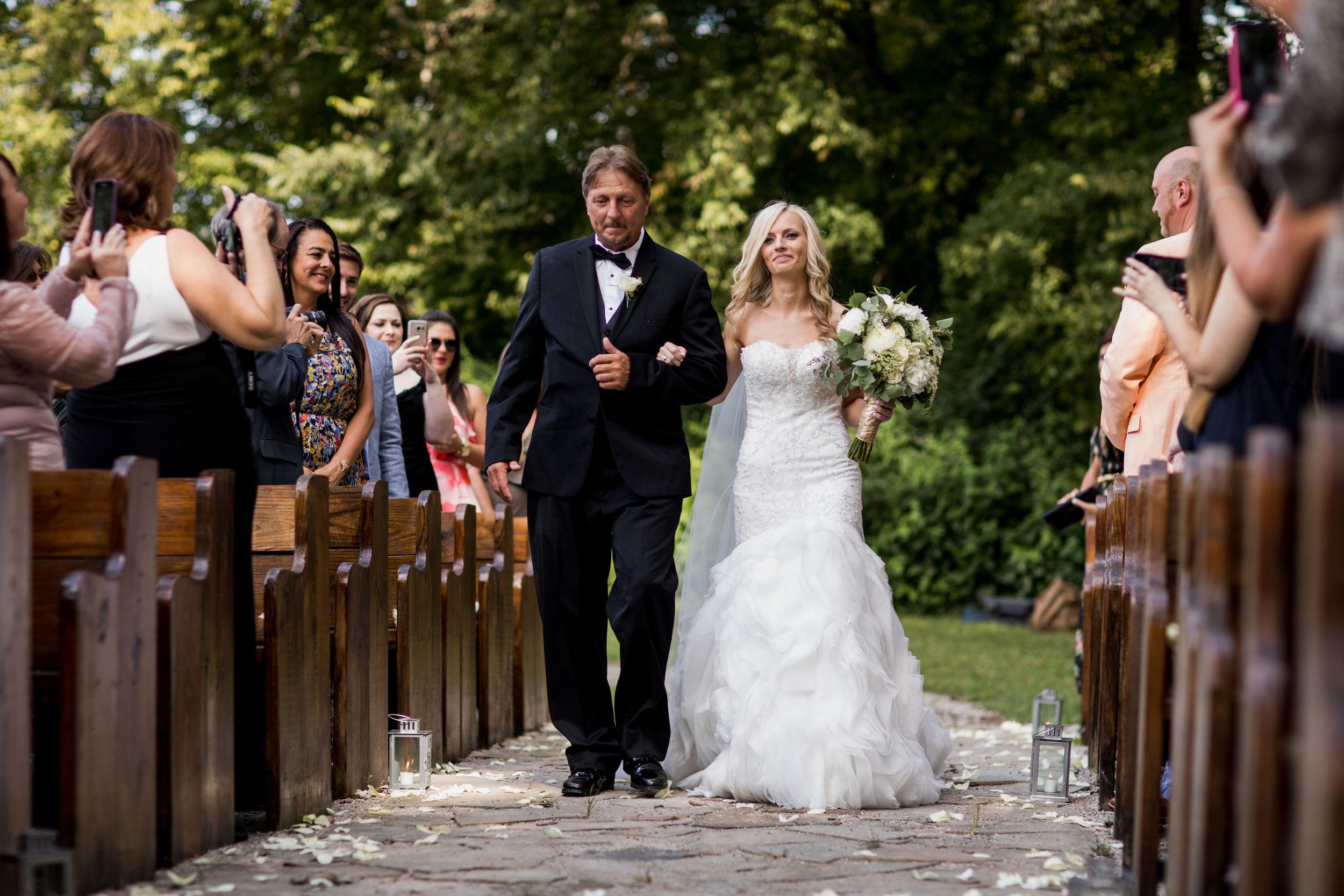 Meadow-Hill-Farm-Wedding 18.jpg