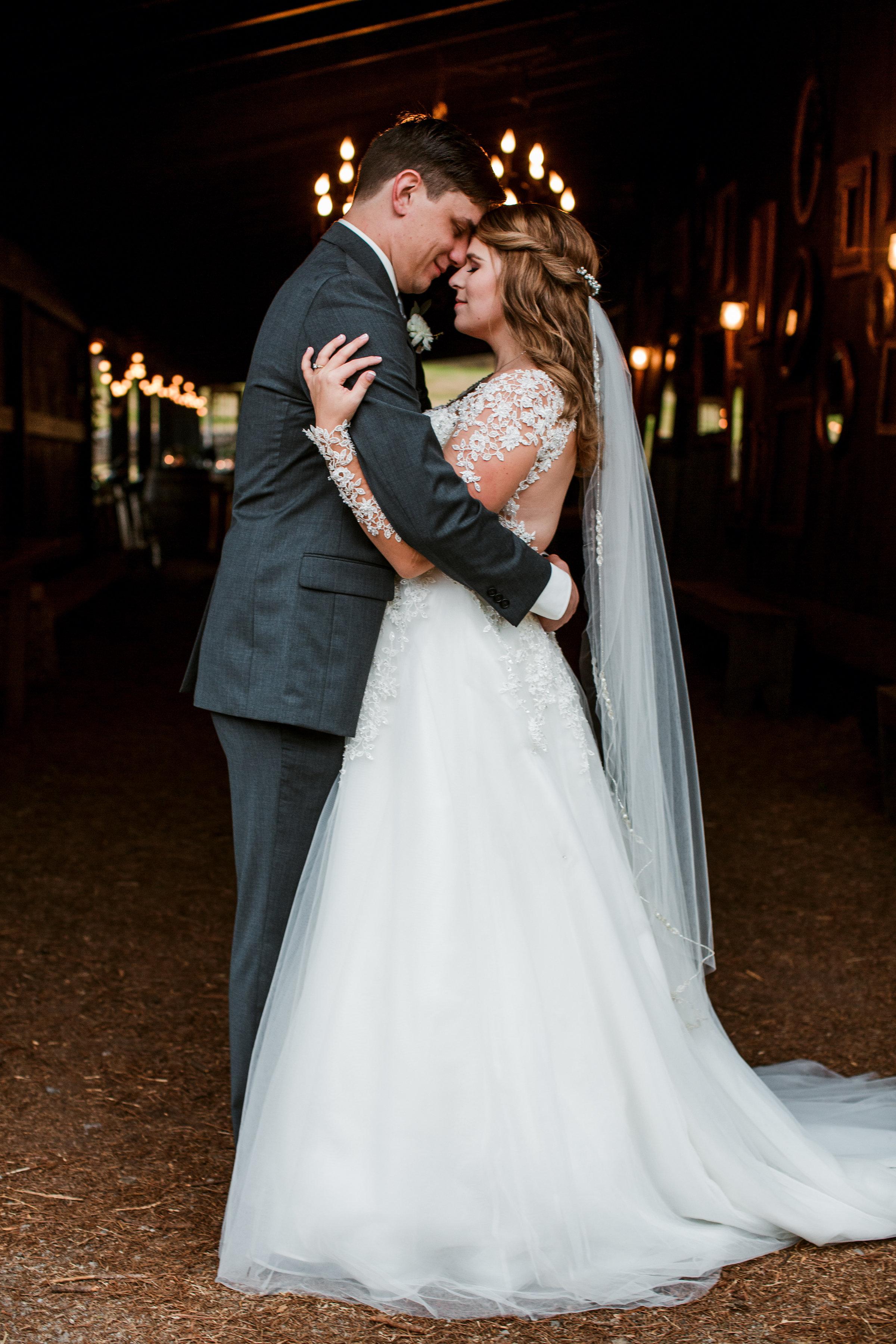 Cedarwood-Nashville-Wedding-Photographers 29.jpg