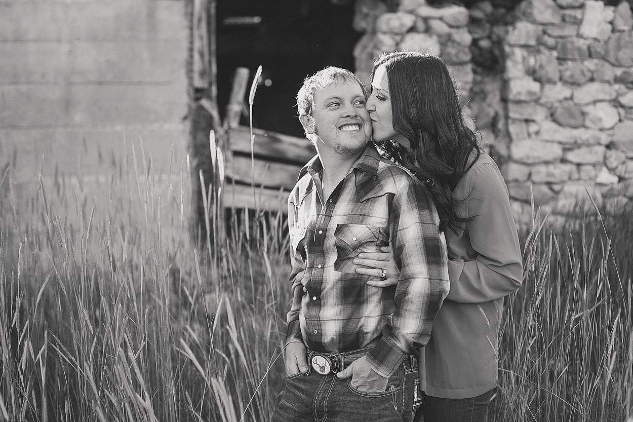 UtahEngagementPhotographer-HeidiRandallStudios-Sarah+Evan-3.jpg
