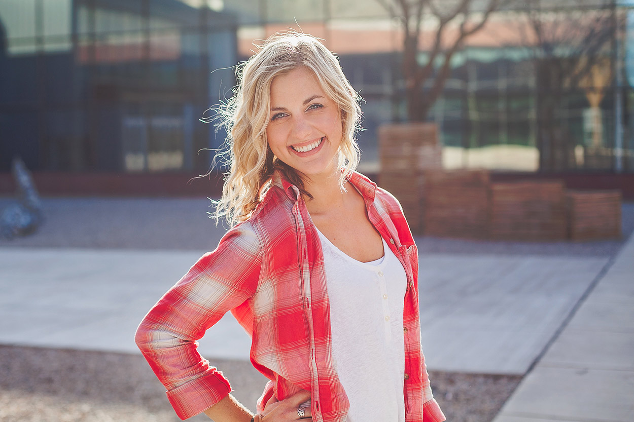 CollegeGraduationPortraits-HeidiRandallStudios-Courtney-10.jpg