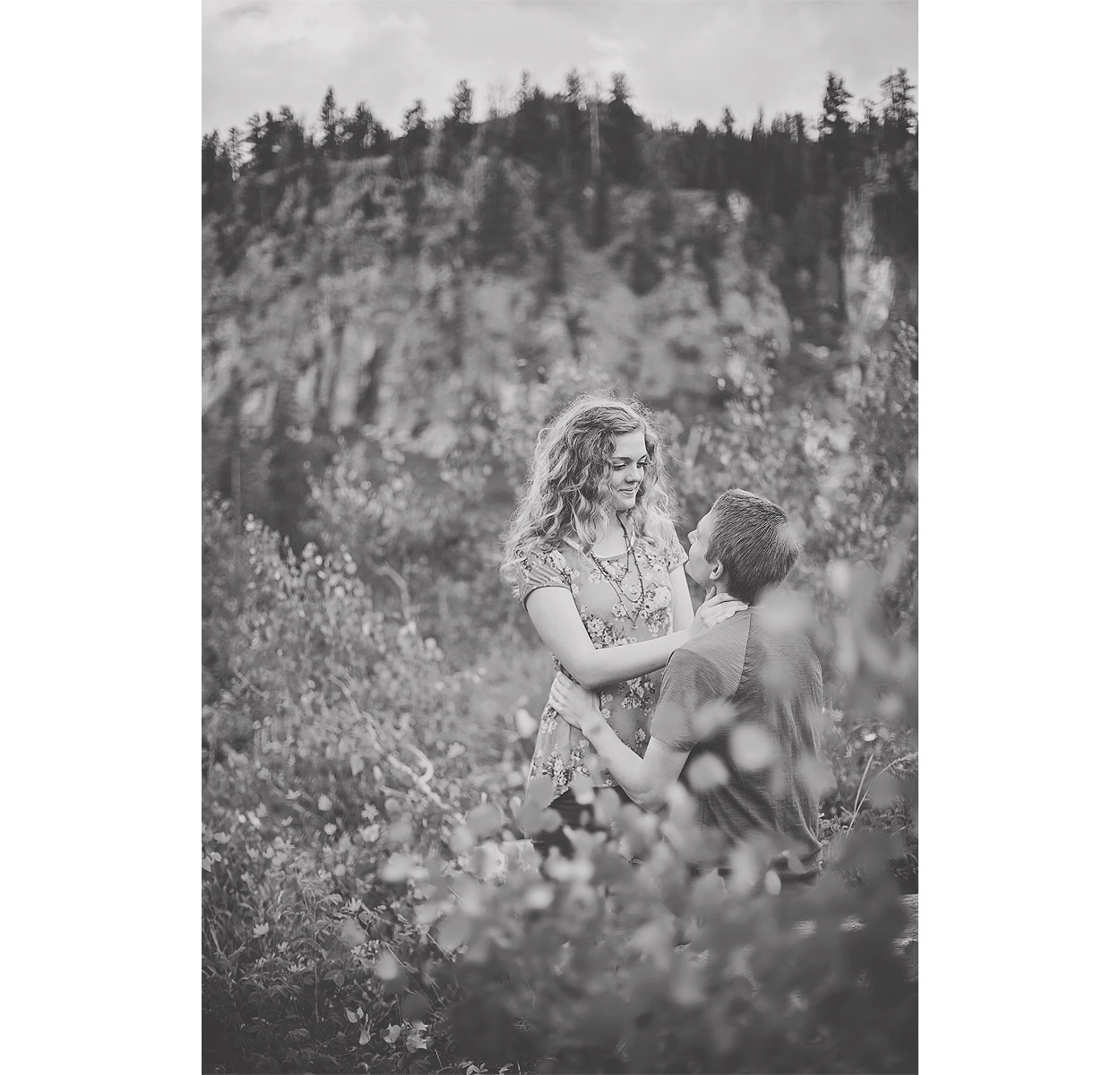 LoganUtahEngagementPhotography-HeidiRandallStudios-LindsaySpencer-9.jpg