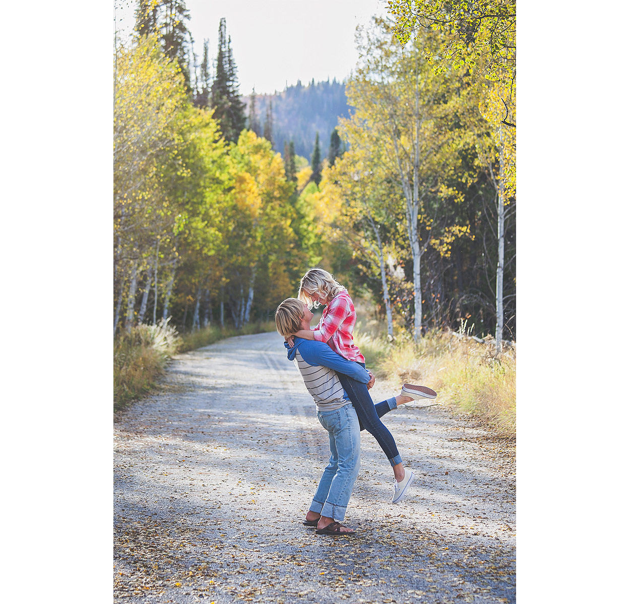 LoganUtahEngagementPhotography-TonyGroveEngagementPhotography-HeidiRandallStudios-Courtney+Sam-3.jpg