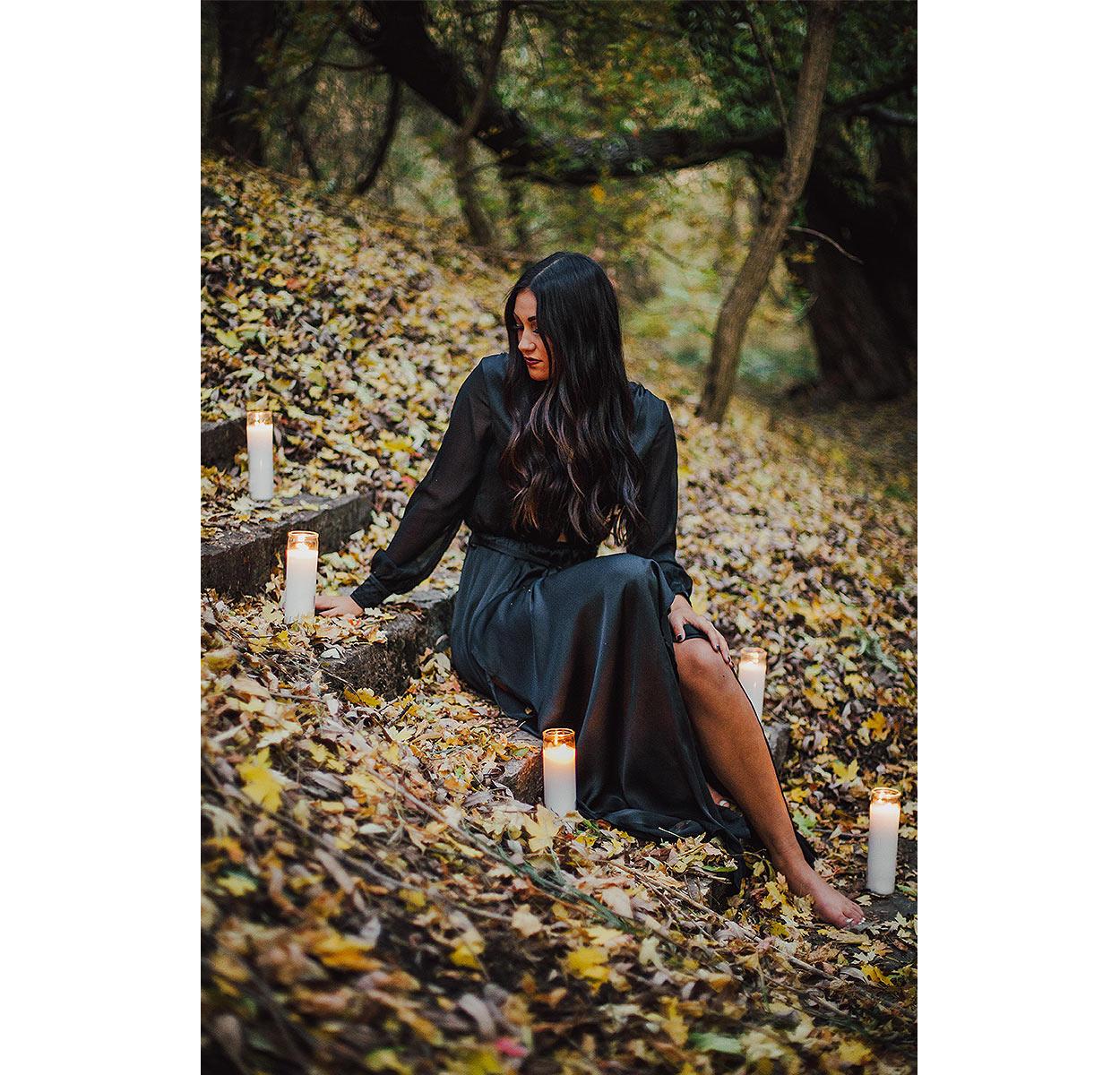 BLOG-LoganUtahPortraitPhotography-HeidiRandallStudios-HalloweenStyledShoot-Markell-18.jpg