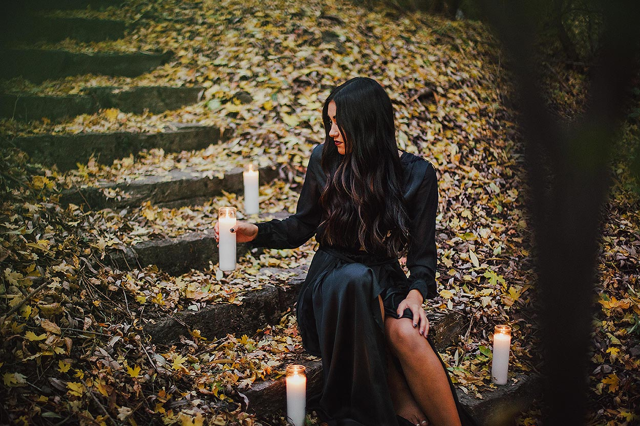 BLOG-LoganUtahPortraitPhotography-HeidiRandallStudios-HalloweenStyledShoot-Markell-19.jpg