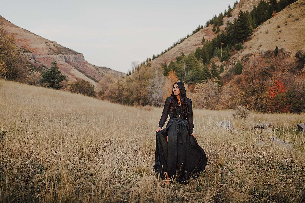 BLOG-LoganUtahPortraitPhotography-HeidiRandallStudios-HalloweenStyledShoot-Markell-22.jpg