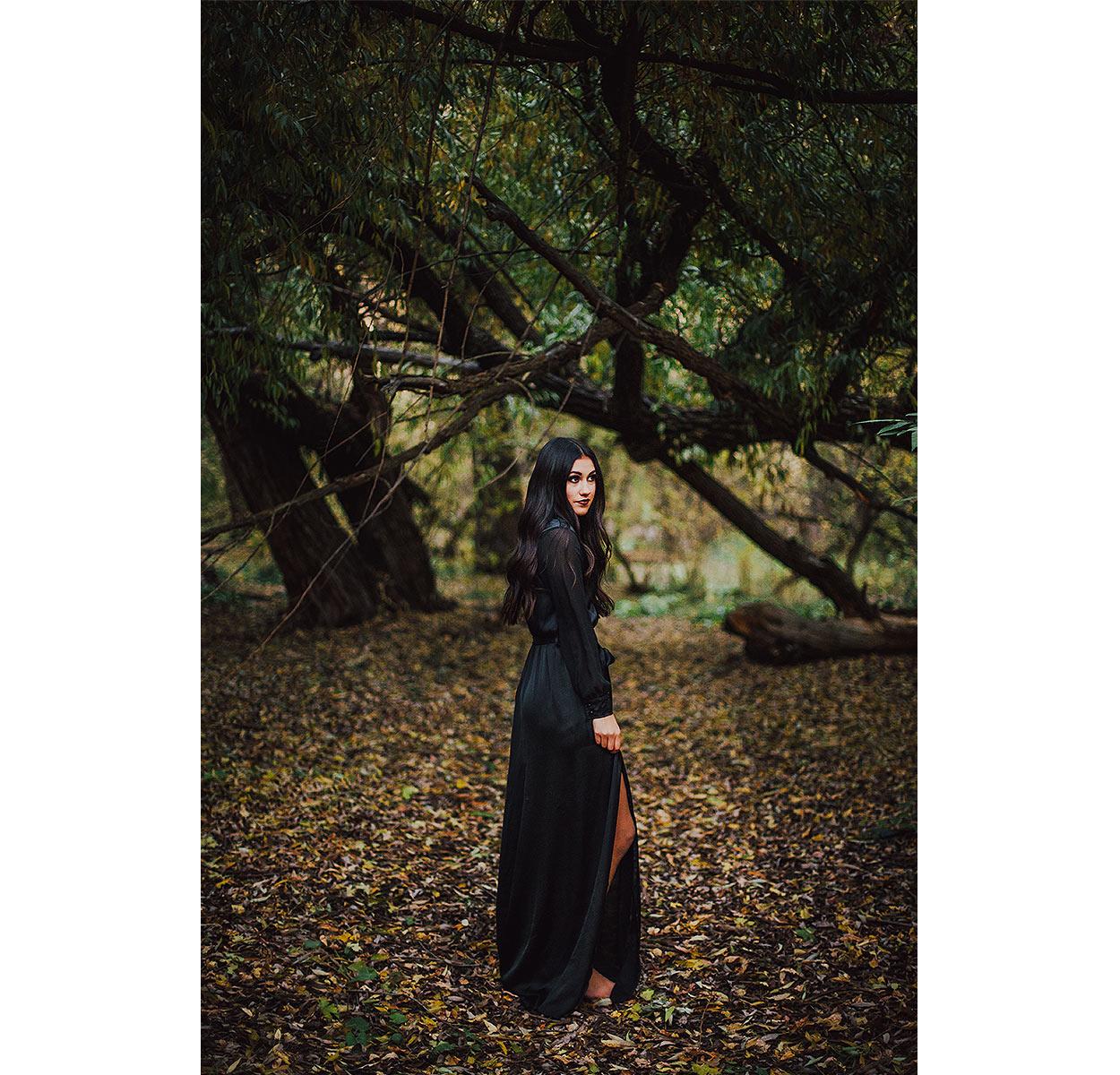 BLOG-LoganUtahPortraitPhotography-HeidiRandallStudios-HalloweenStyledShoot-Markell-1.jpg