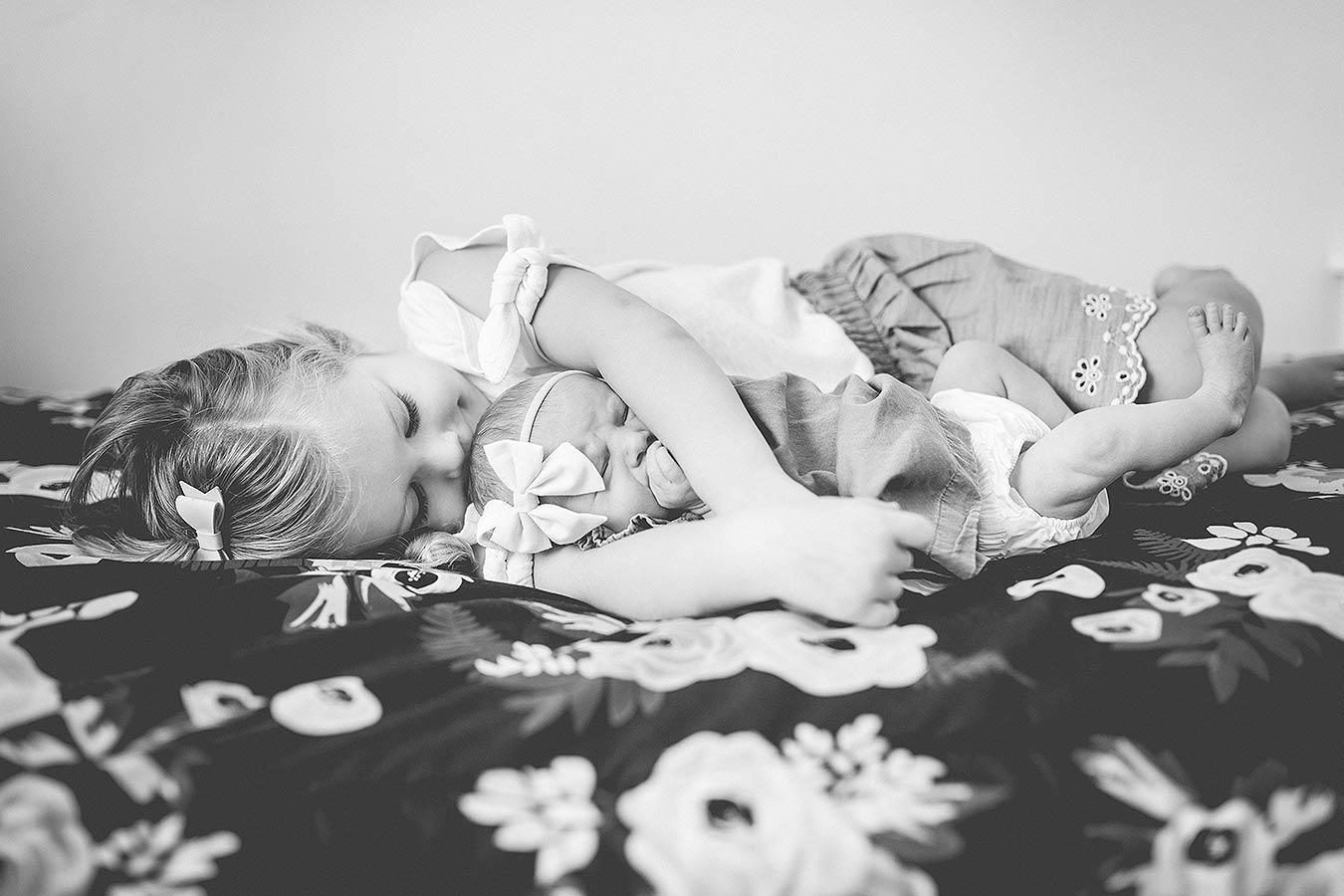 LoganUtahNewbornPhotographer-LifestyleNewbornPhotographyUtah-HeidiRandallStudios-Ellie-GirlNewbornPhotos-5.jpg