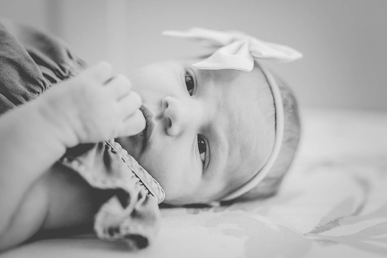 LoganUtahNewbornPhotographer-LifestyleNewbornPhotographyUtah-HeidiRandallStudios-Ellie-GirlNewbornPhotos-11.jpg