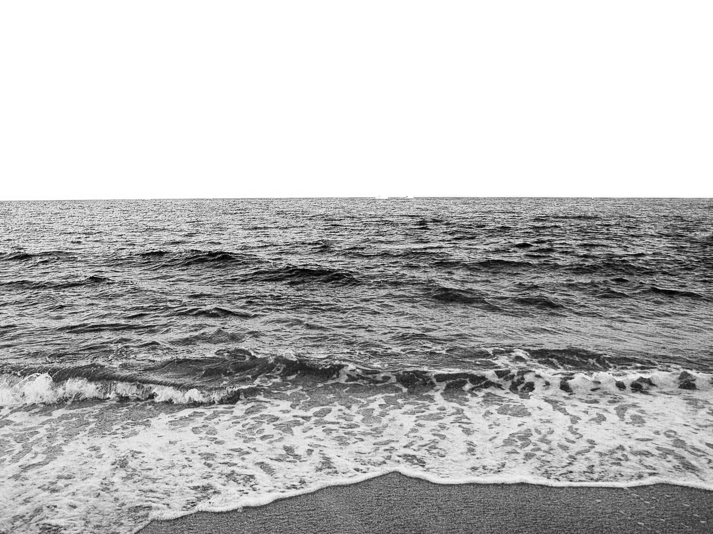 black_and_white_ocean_view_photography.JPG